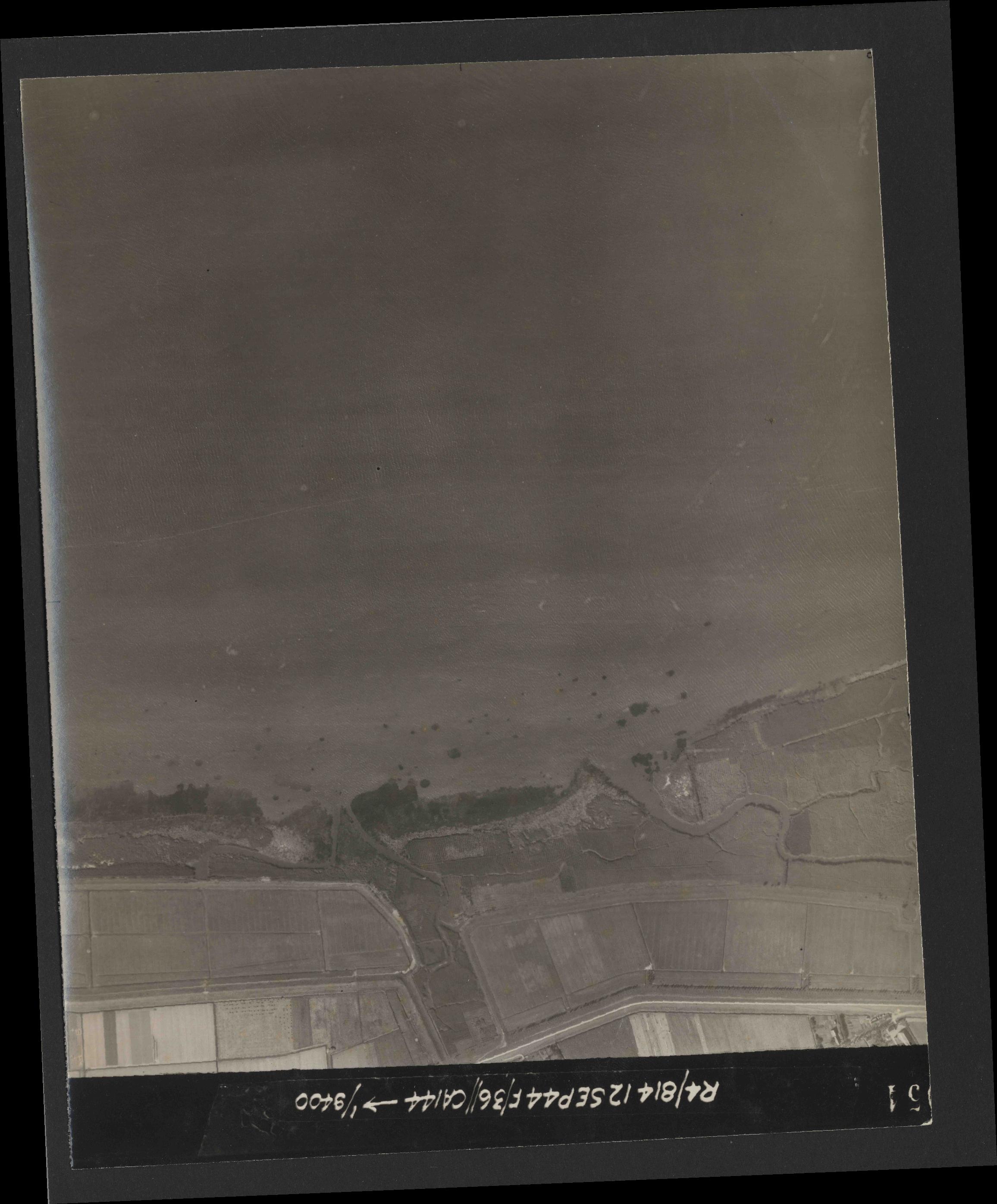 Collection RAF aerial photos 1940-1945 - flight 333, run 01, photo 3054