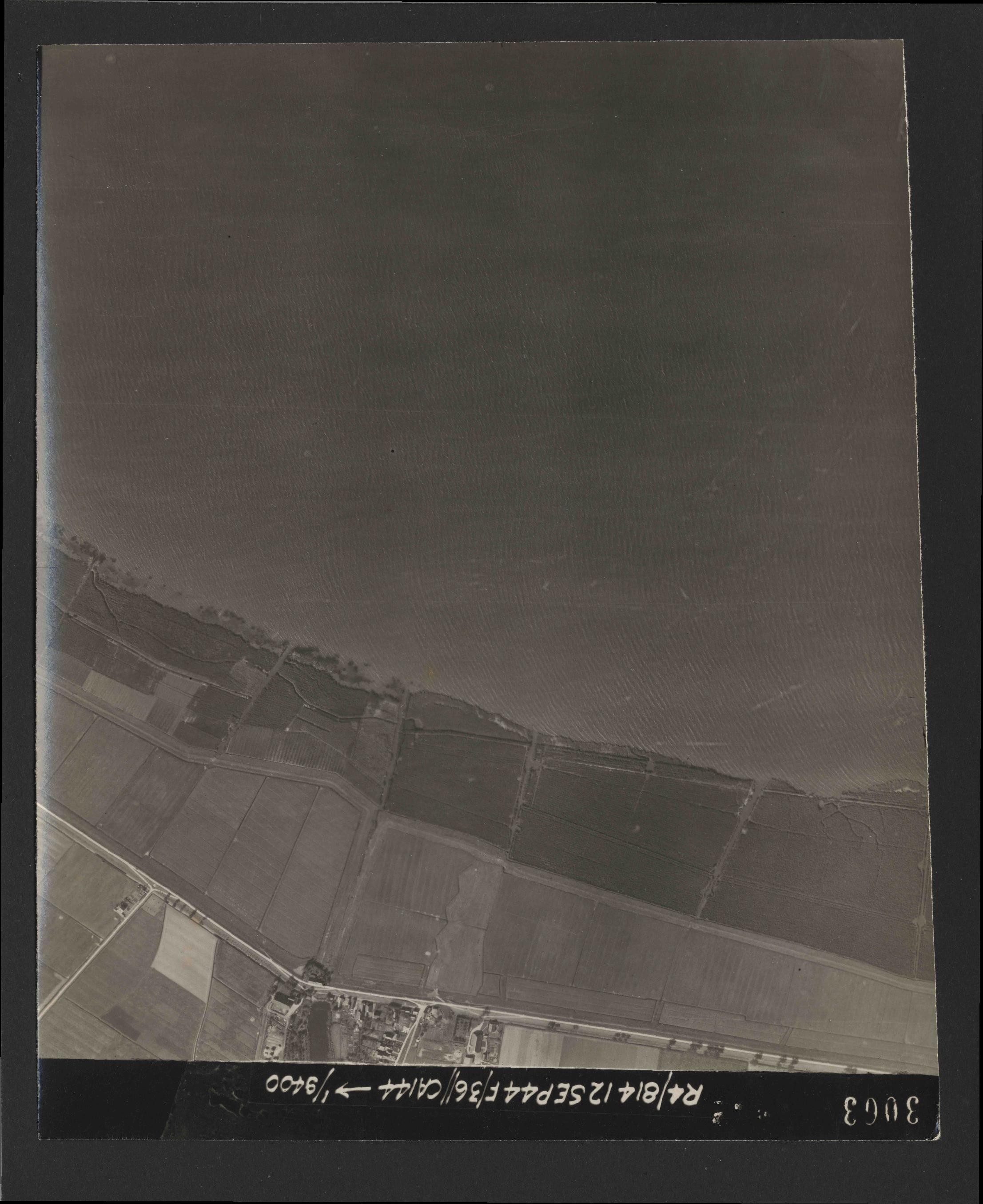 Collection RAF aerial photos 1940-1945 - flight 333, run 01, photo 3063
