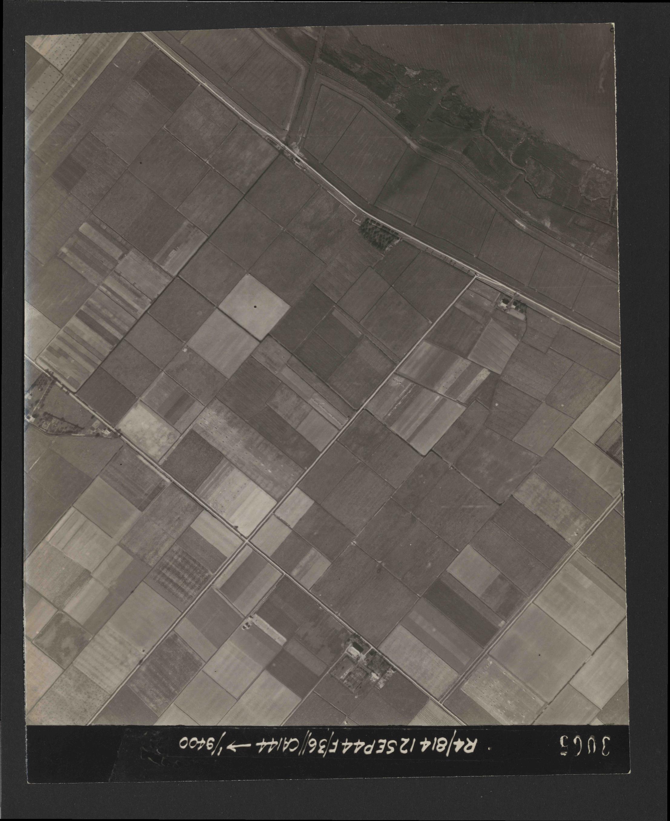 Collection RAF aerial photos 1940-1945 - flight 333, run 01, photo 3065