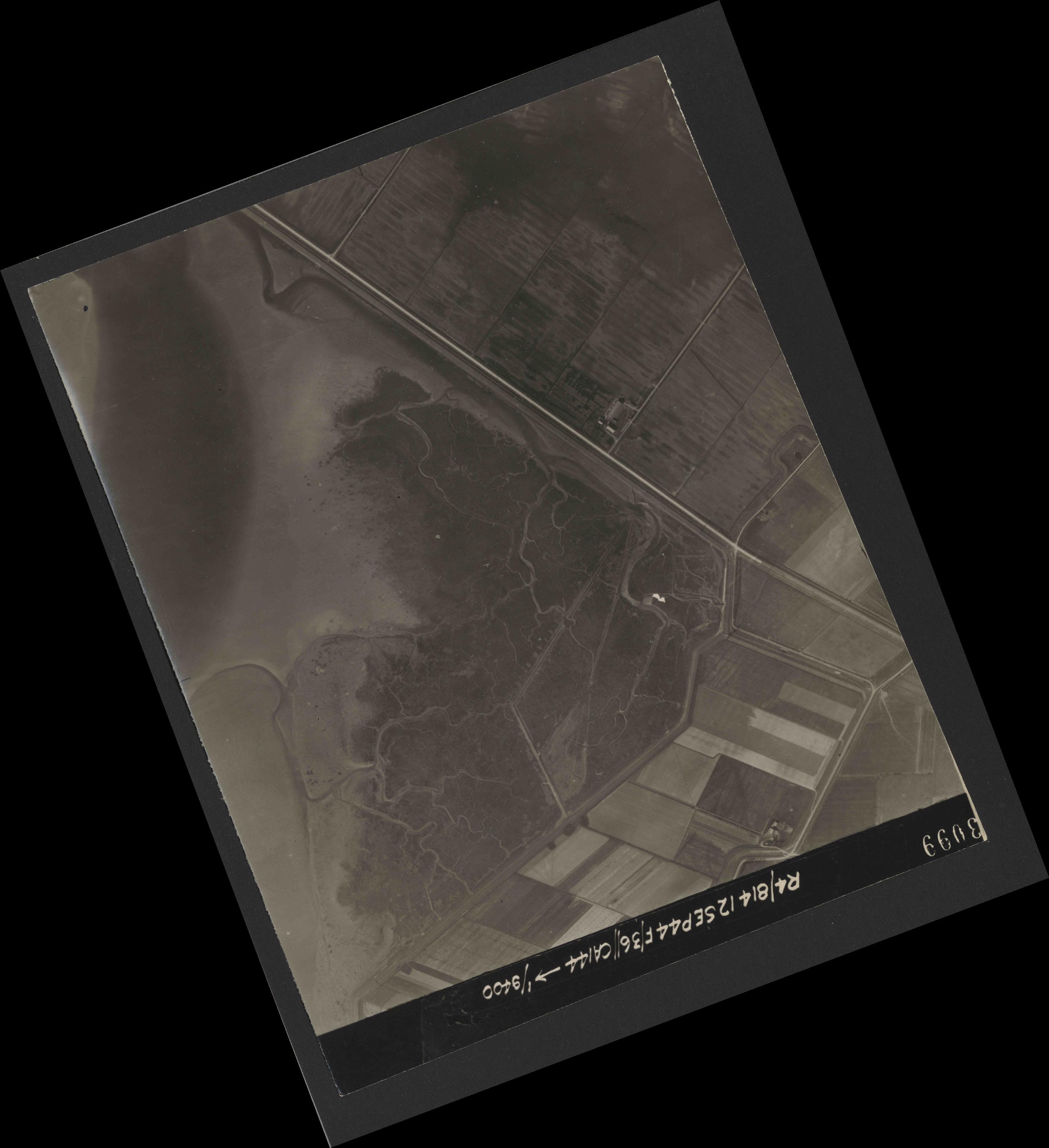 Collection RAF aerial photos 1940-1945 - flight 333, run 03, photo 3099
