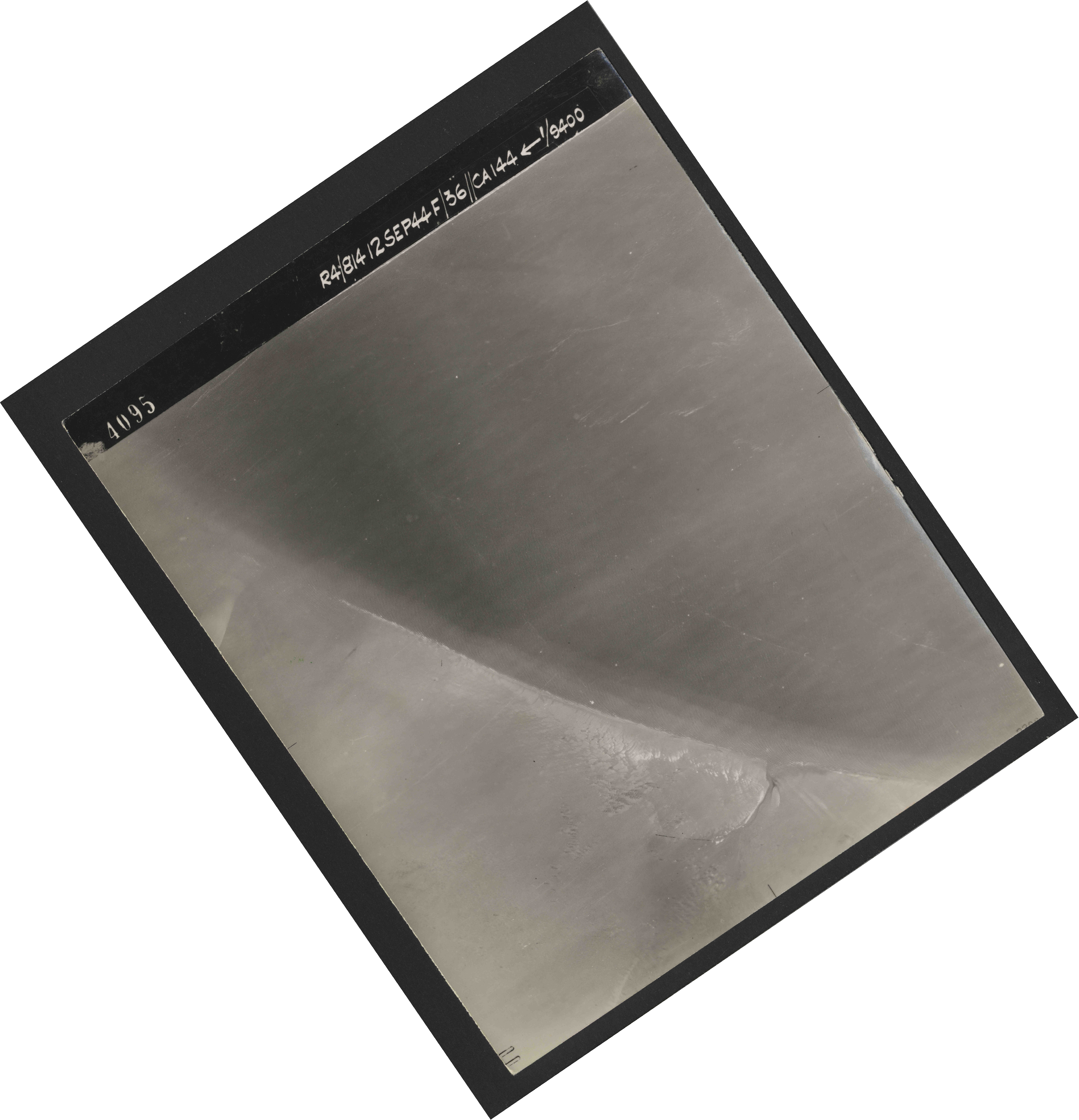 Collection RAF aerial photos 1940-1945 - flight 333, run 04, photo 4095
