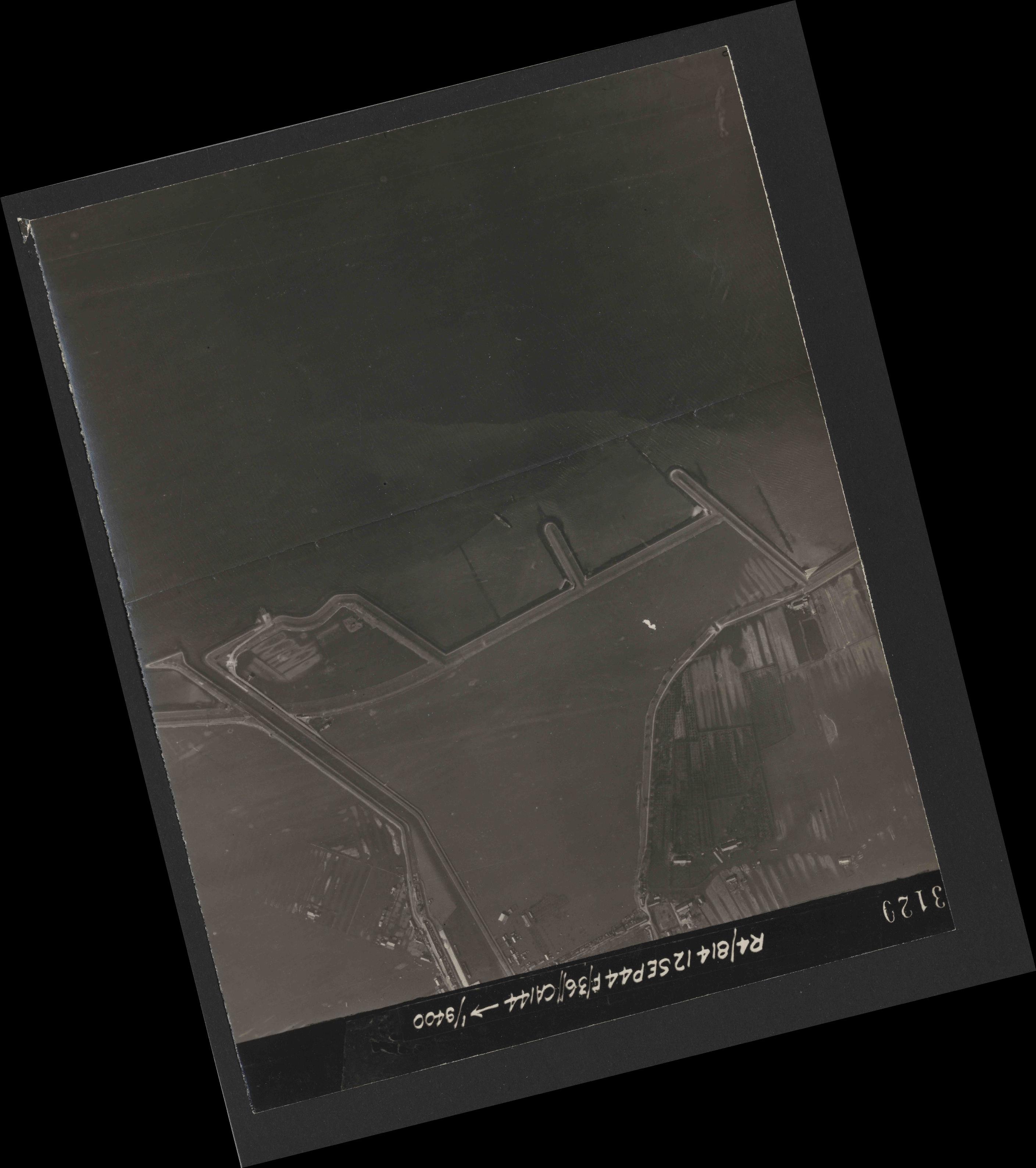 Collection RAF aerial photos 1940-1945 - flight 333, run 05, photo 3120