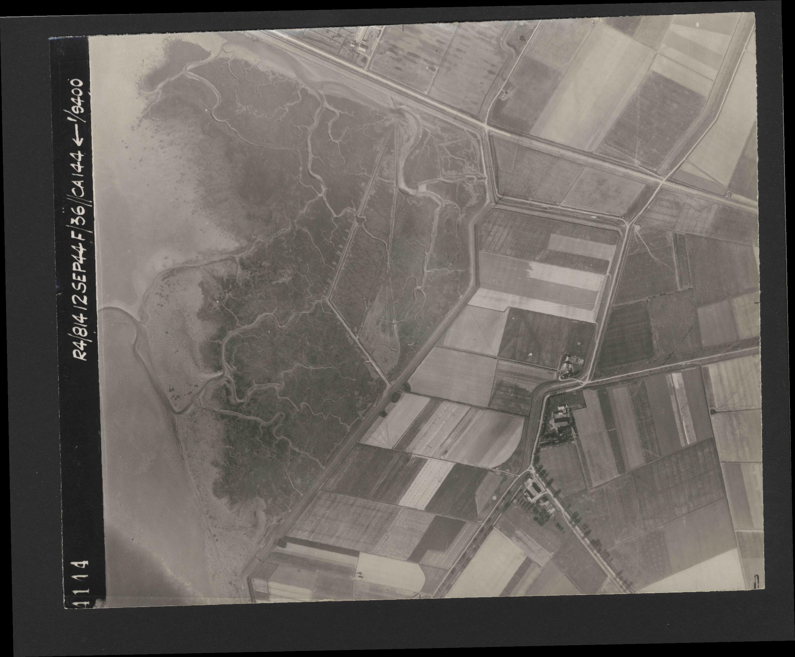 Collection RAF aerial photos 1940-1945 - flight 333, run 10, photo 4144