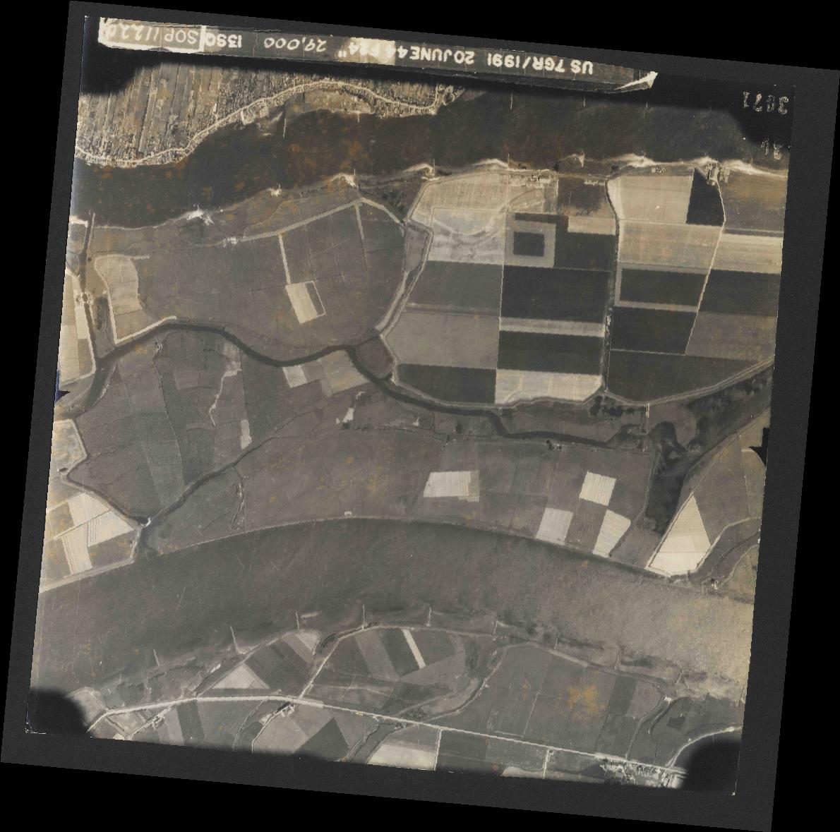 Collection RAF aerial photos 1940-1945 - flight 343, run 13, photo 3071