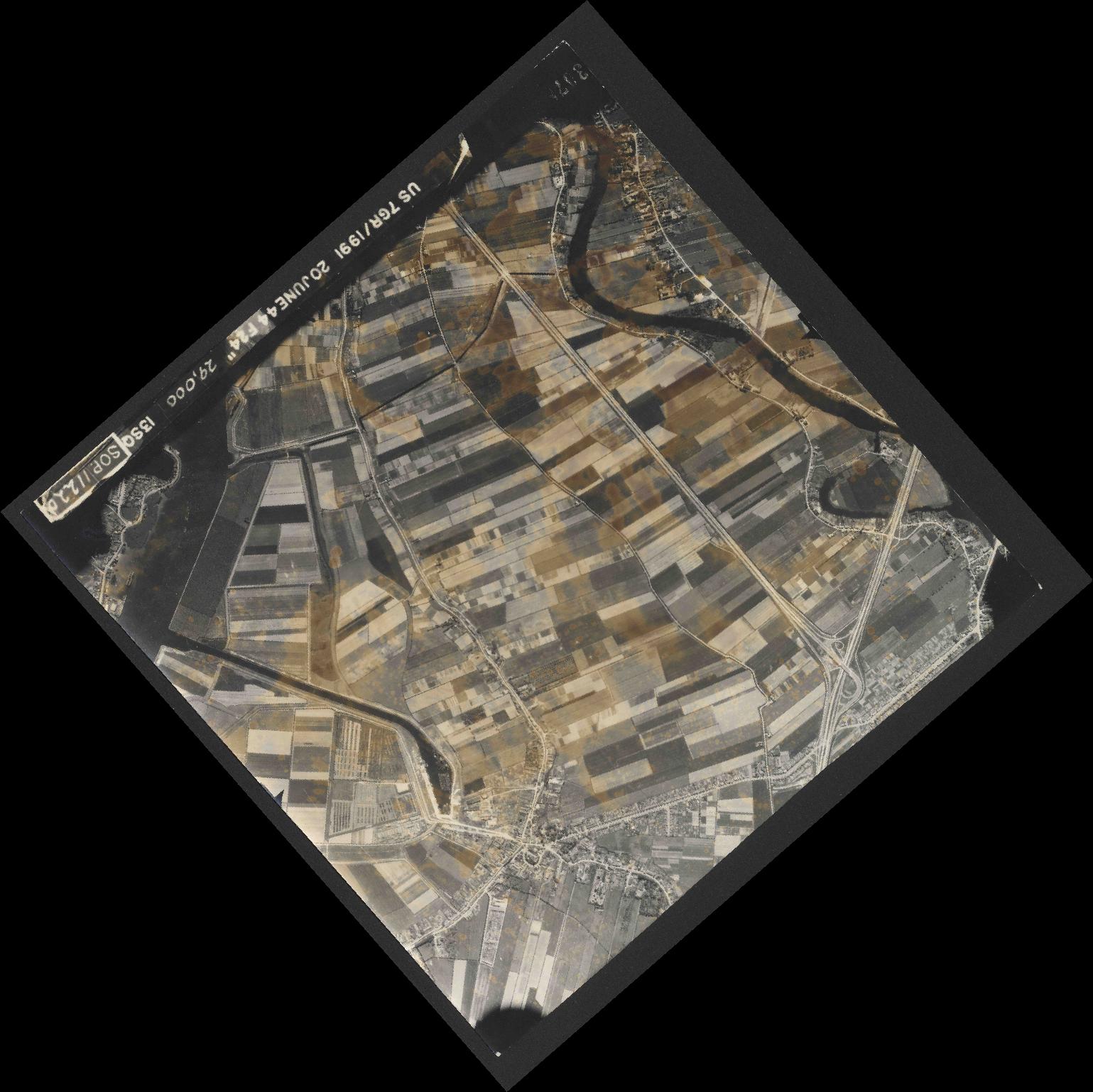 Collection RAF aerial photos 1940-1945 - flight 343, run 13, photo 3078