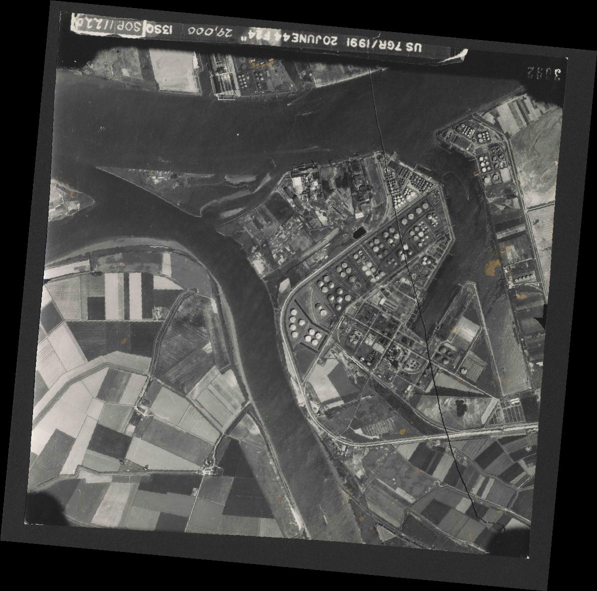 Collection RAF aerial photos 1940-1945 - flight 343, run 13, photo 3092