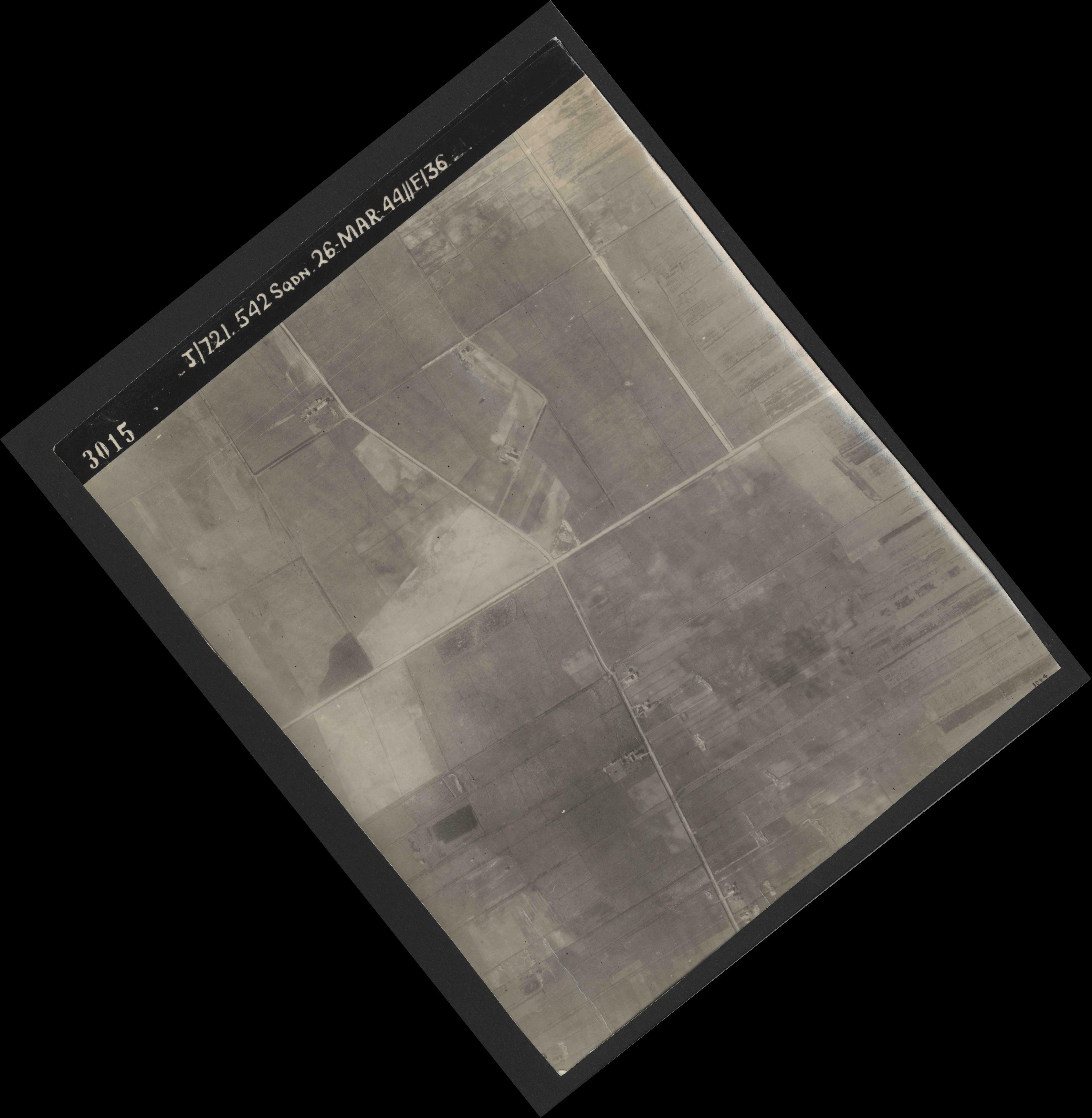 Collection RAF aerial photos 1940-1945 - flight 349, run 01, photo 3015