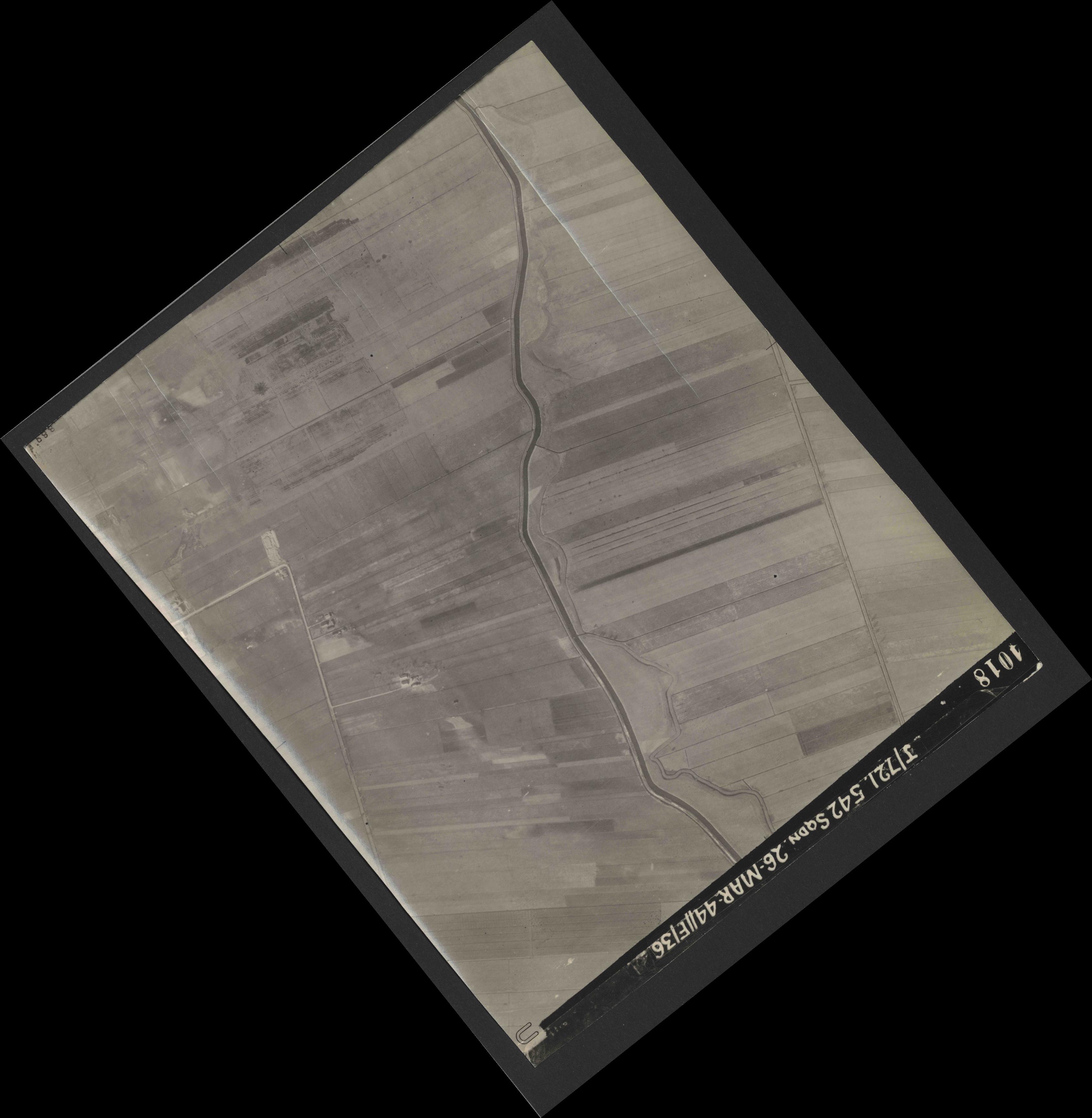 Collection RAF aerial photos 1940-1945 - flight 349, run 02, photo 4018