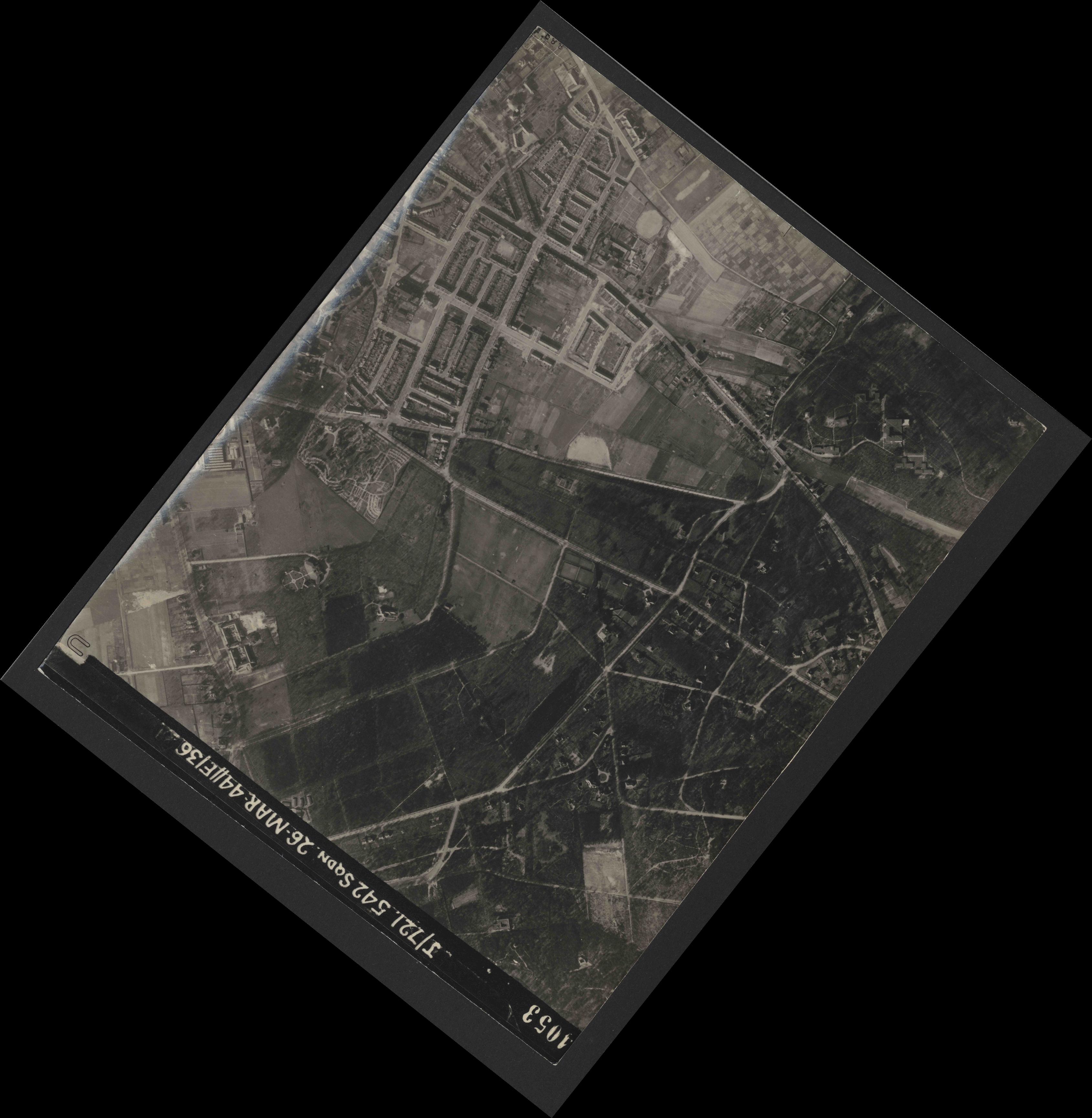 Collection RAF aerial photos 1940-1945 - flight 349, run 06, photo 4053
