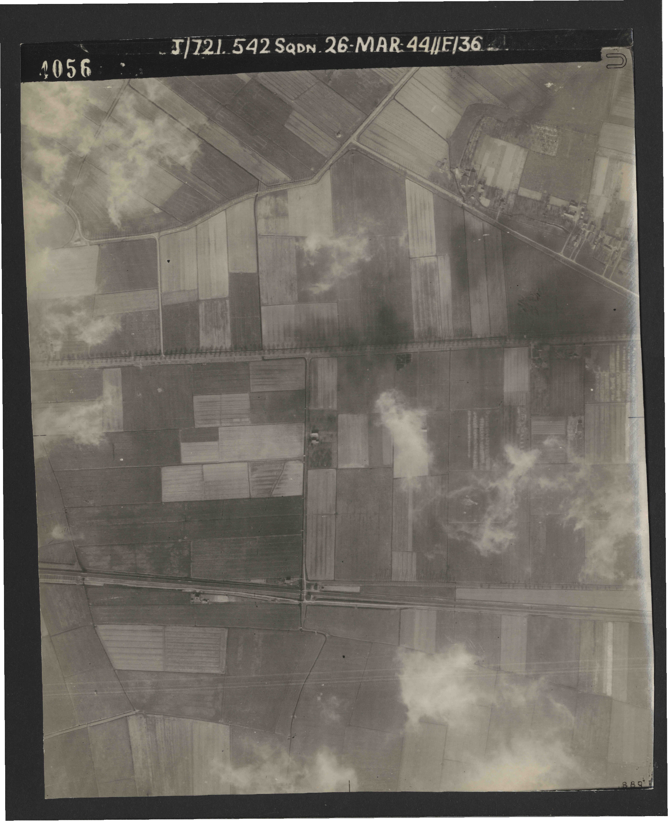 Collection RAF aerial photos 1940-1945 - flight 349, run 08, photo 4056