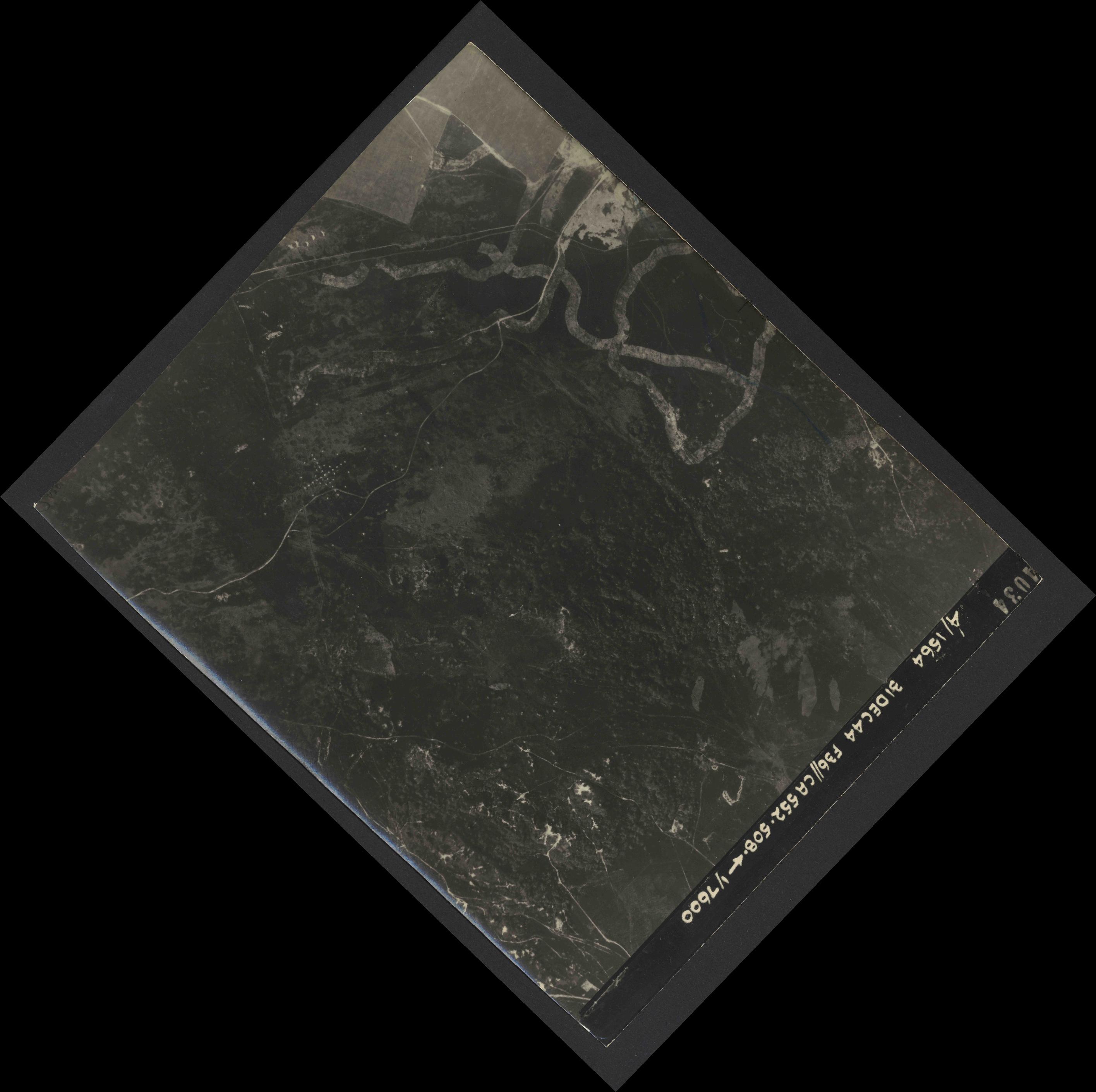 Collection RAF aerial photos 1940-1945 - flight 351, run 02, photo 4034