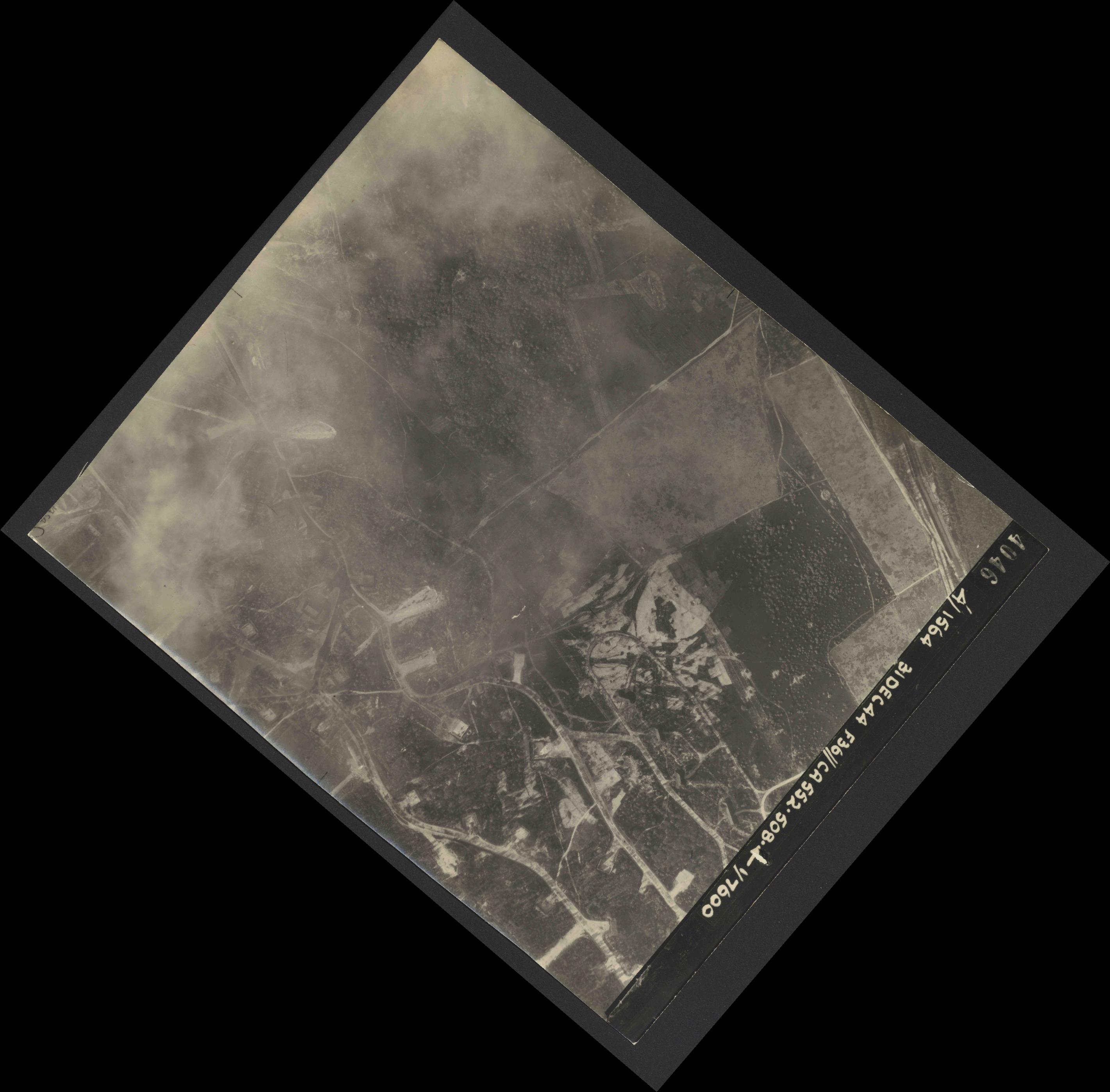 Collection RAF aerial photos 1940-1945 - flight 351, run 02, photo 4046
