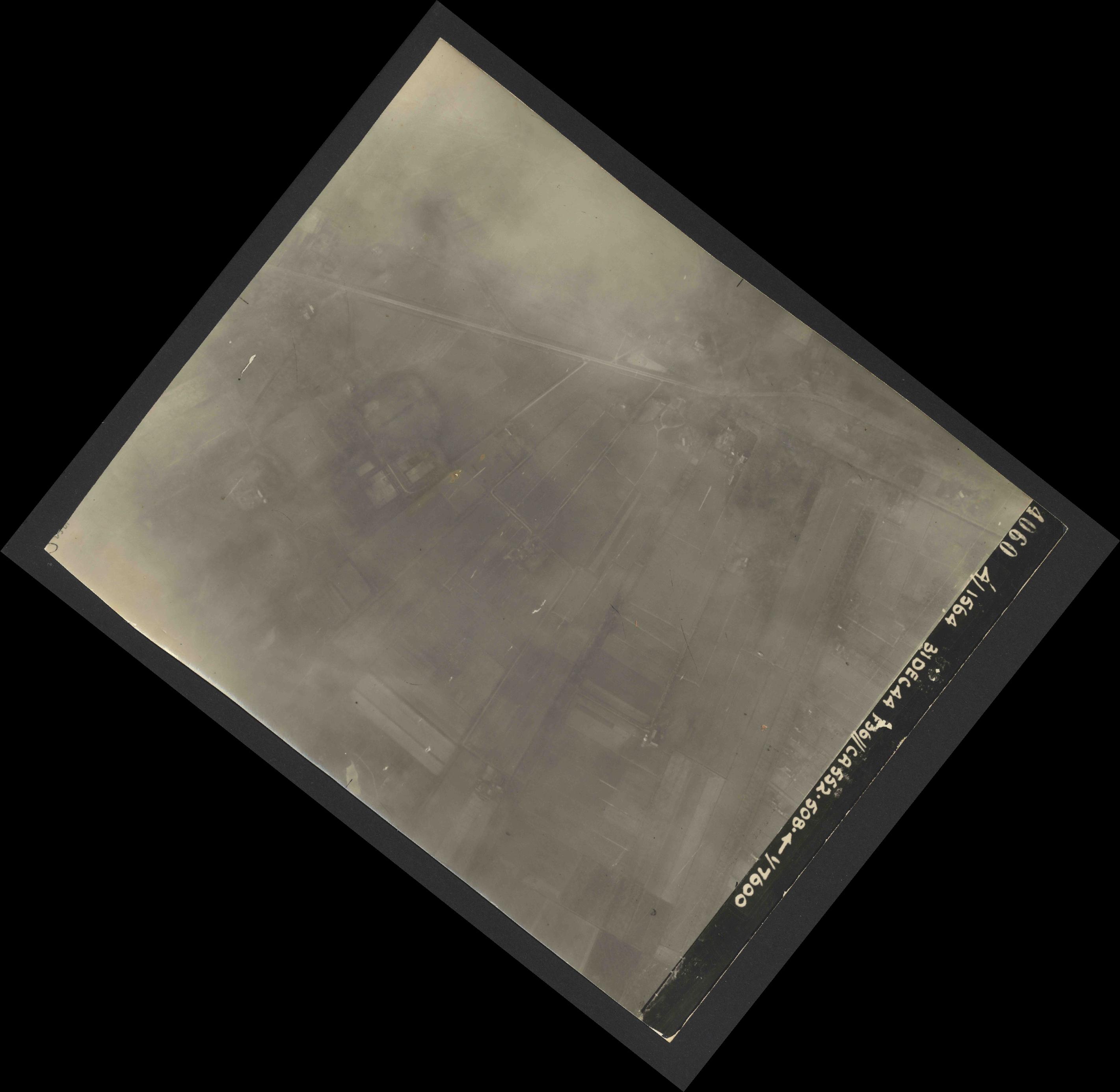Collection RAF aerial photos 1940-1945 - flight 351, run 02, photo 4060