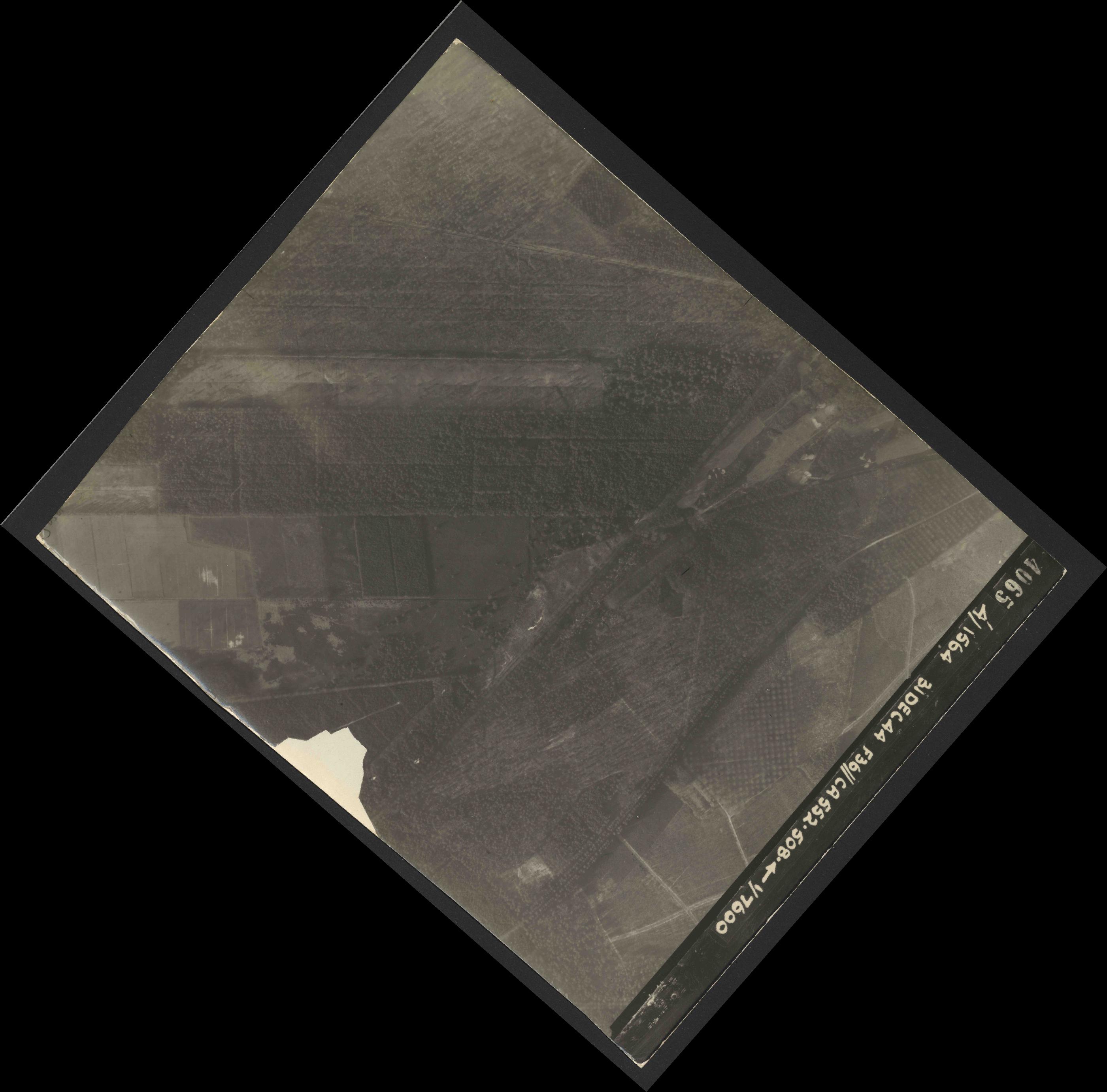 Collection RAF aerial photos 1940-1945 - flight 351, run 03, photo 4065