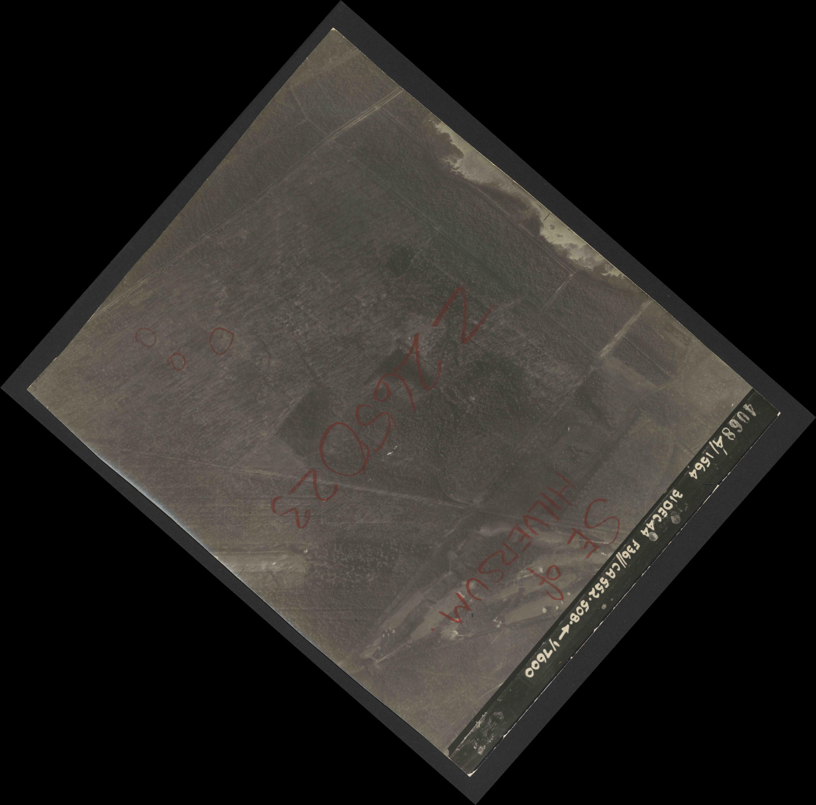 Collection RAF aerial photos 1940-1945 - flight 351, run 03, photo 4068