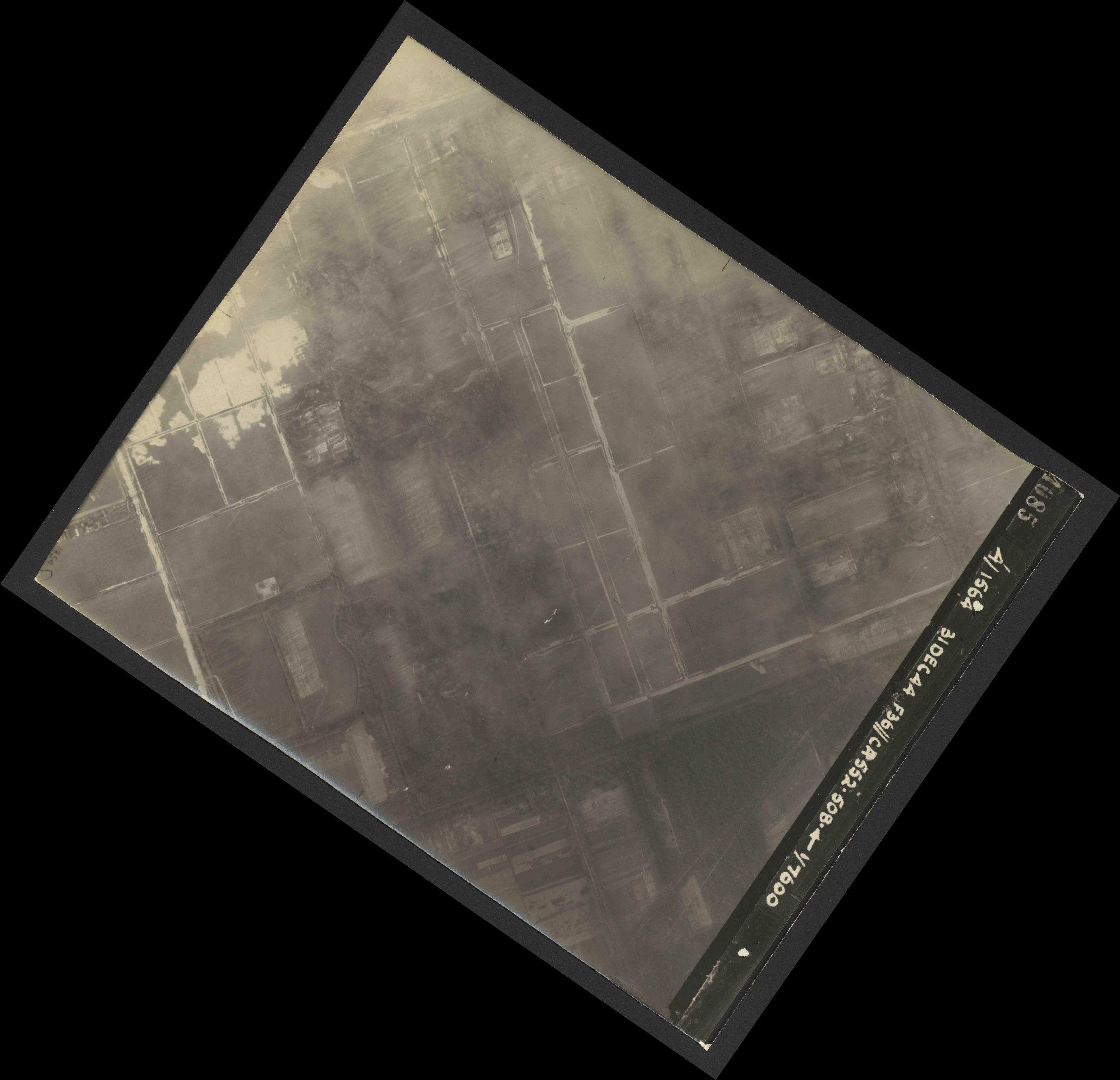 Collection RAF aerial photos 1940-1945 - flight 351, run 03, photo 4085