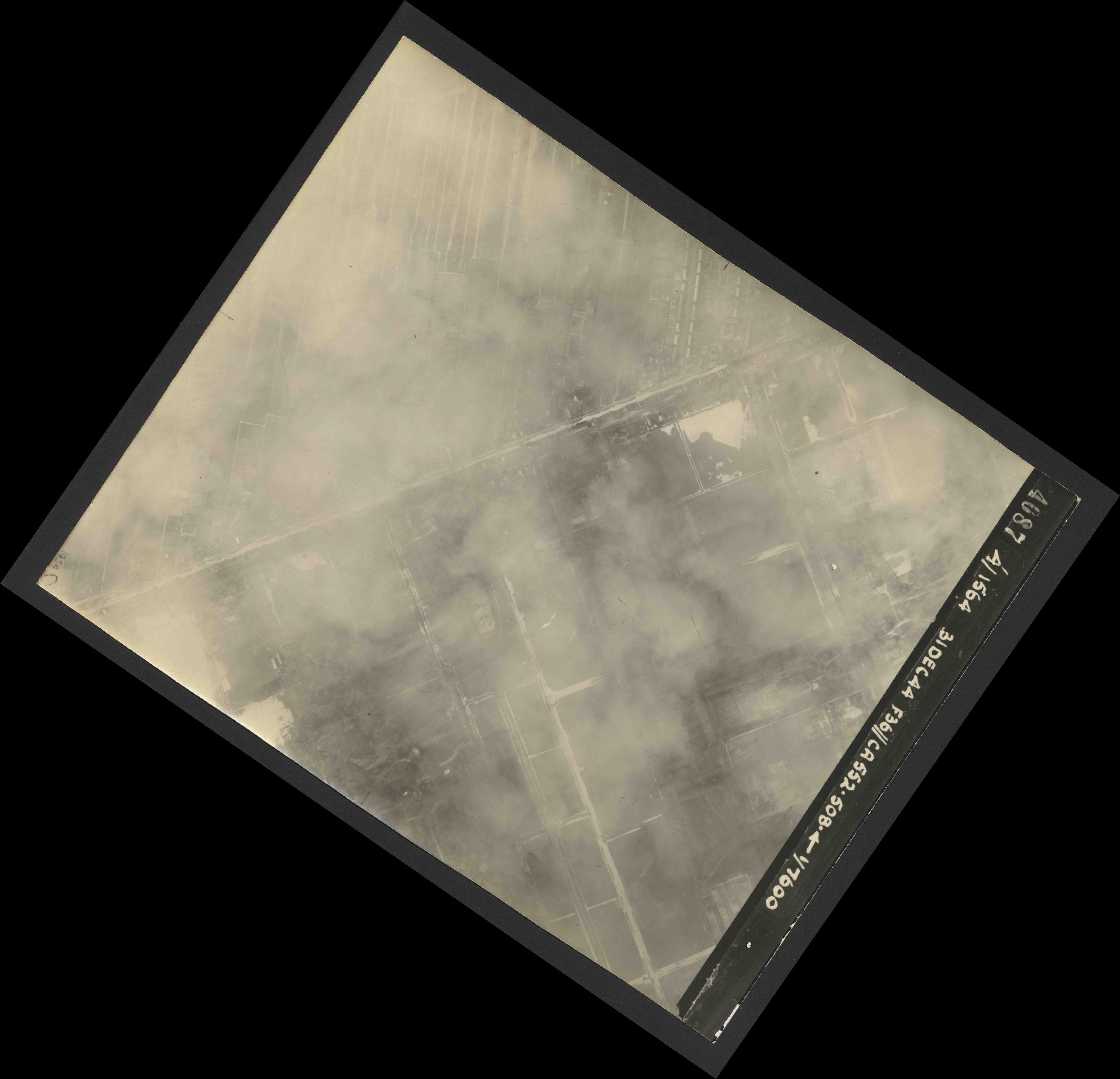 Collection RAF aerial photos 1940-1945 - flight 351, run 03, photo 4087