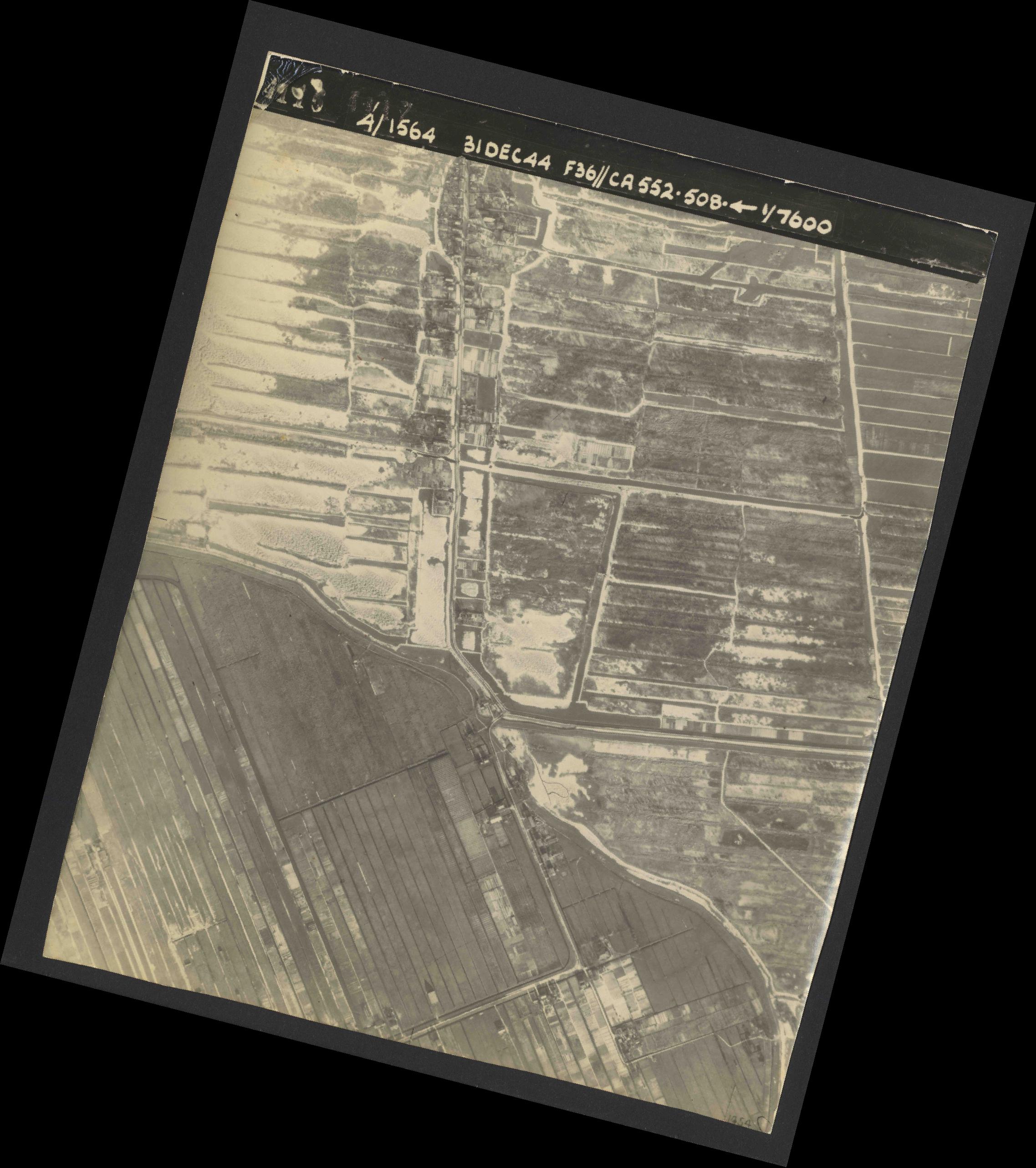 Collection RAF aerial photos 1940-1945 - flight 351, run 04, photo 4116