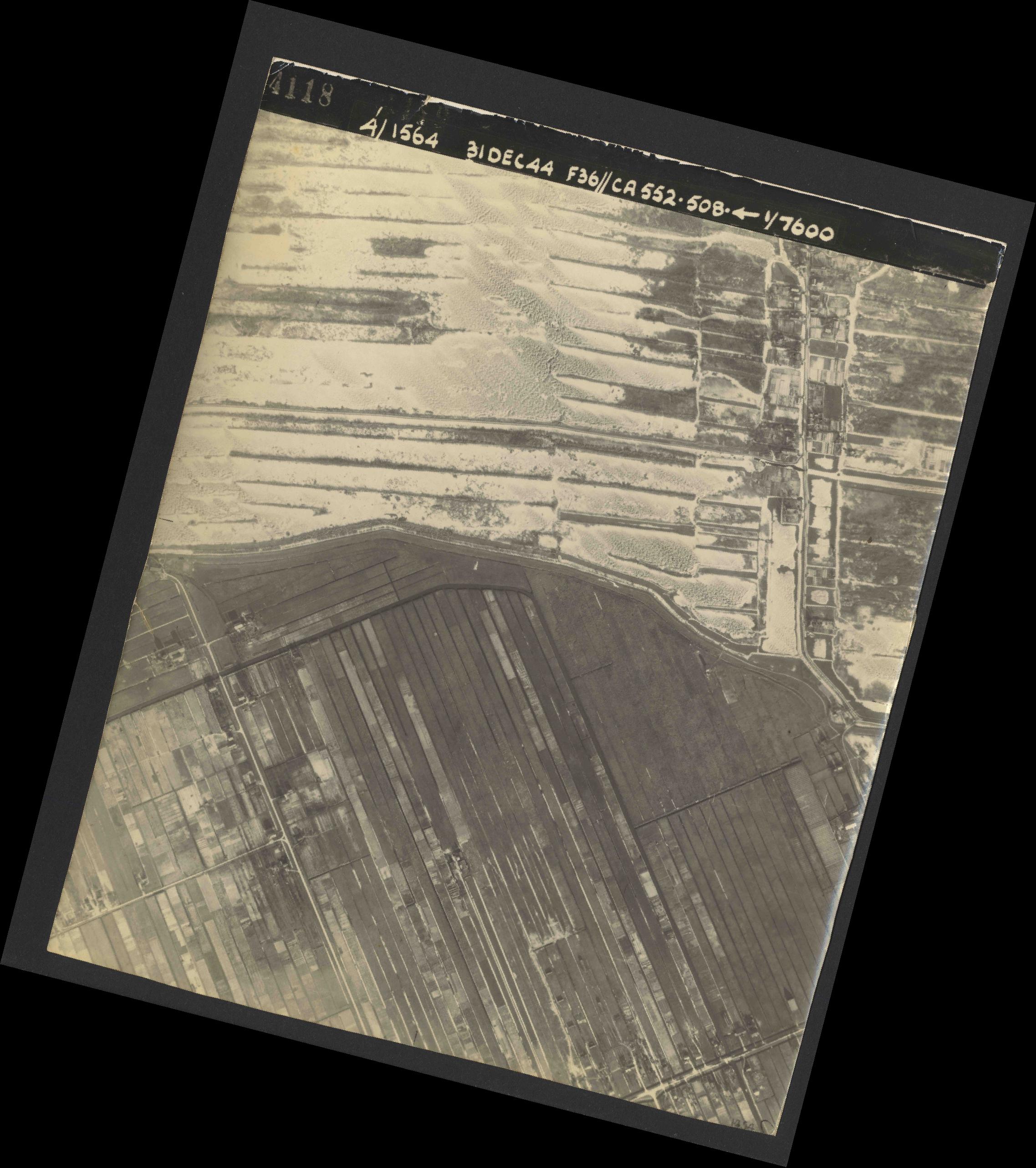 Collection RAF aerial photos 1940-1945 - flight 351, run 04, photo 4118
