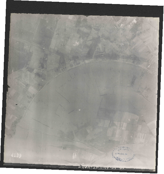 Collection RAF aerial photos 1940-1945 - flight 354, run 02, photo 4139