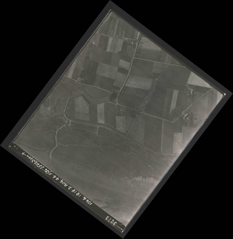 Collection RAF aerial photos 1940-1945 - flight 358, run 02, photo 3273