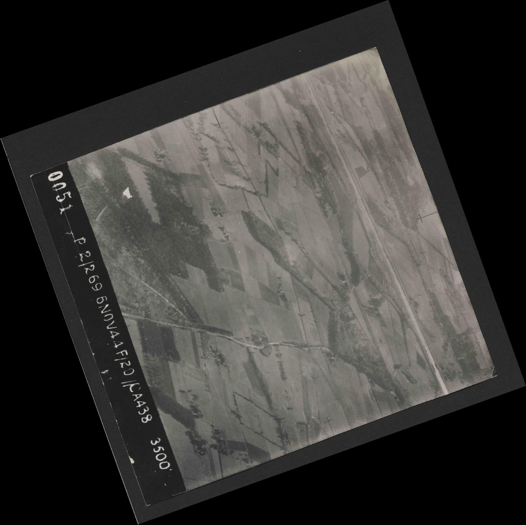 Collection RAF aerial photos 1940-1945 - flight 501, run 01, photo 0051