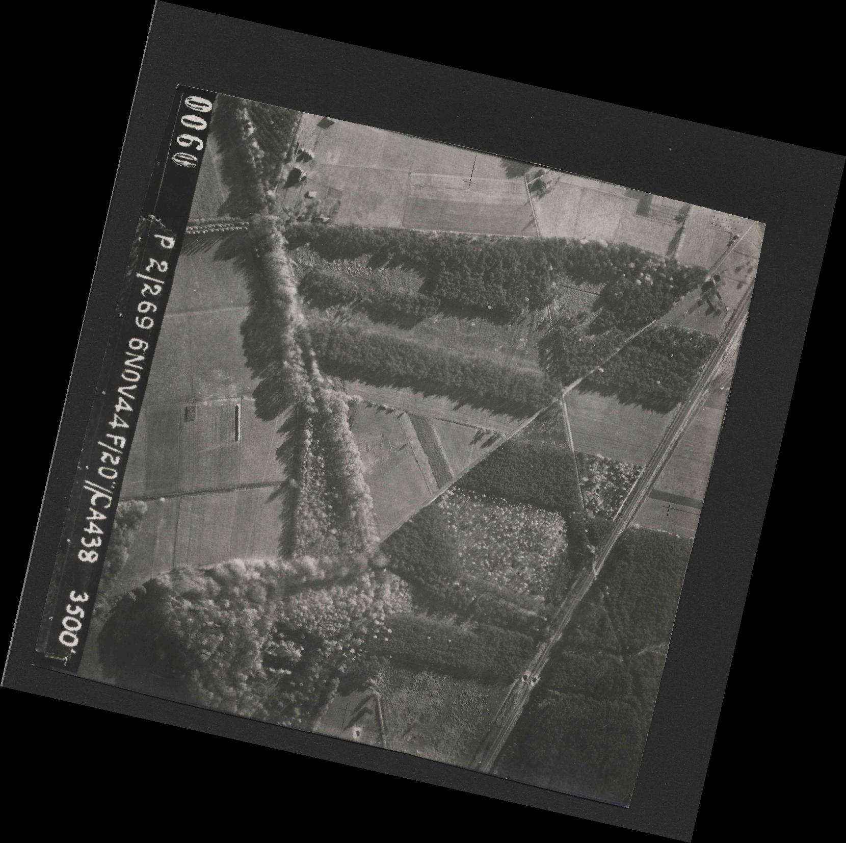 Collection RAF aerial photos 1940-1945 - flight 501, run 01, photo 0060