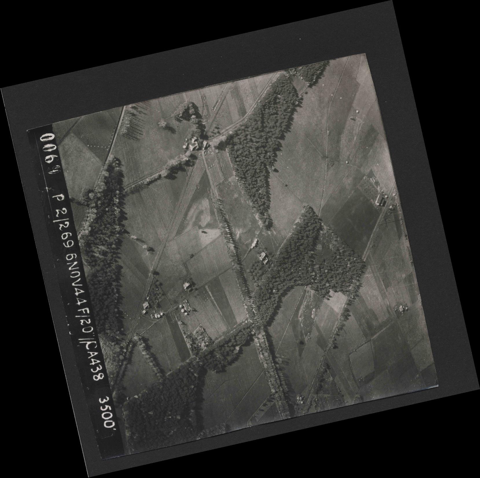 Collection RAF aerial photos 1940-1945 - flight 501, run 01, photo 0069