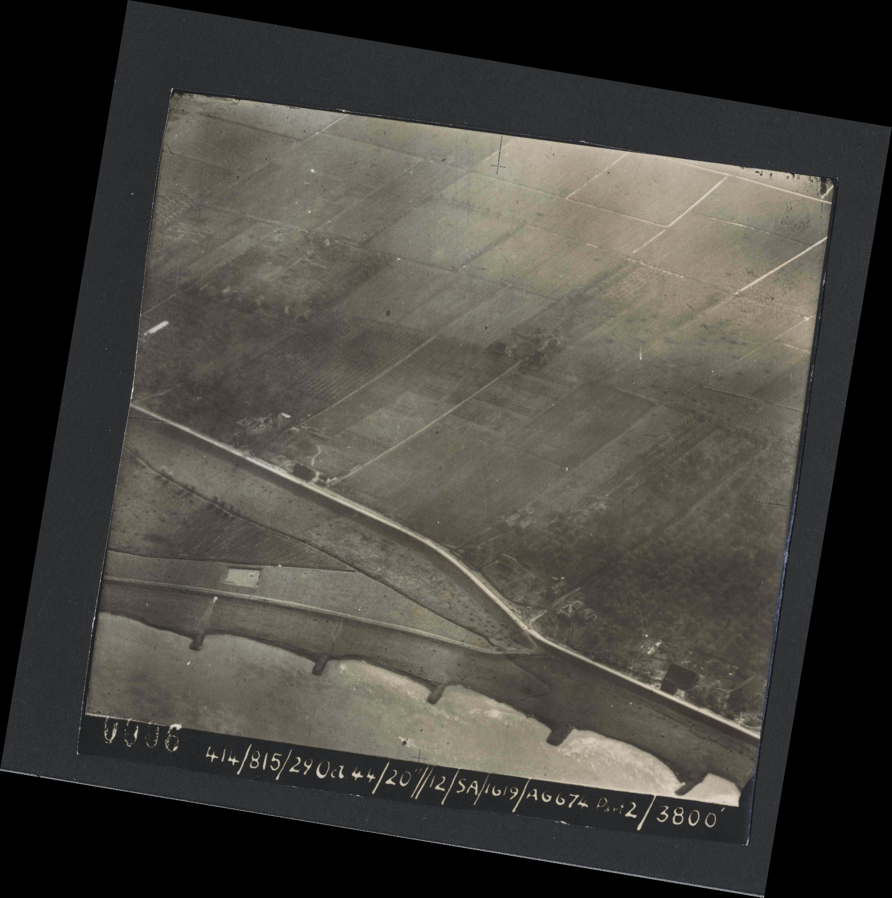 Collection RAF aerial photos 1940-1945 - flight 504, run 01, photo 0006