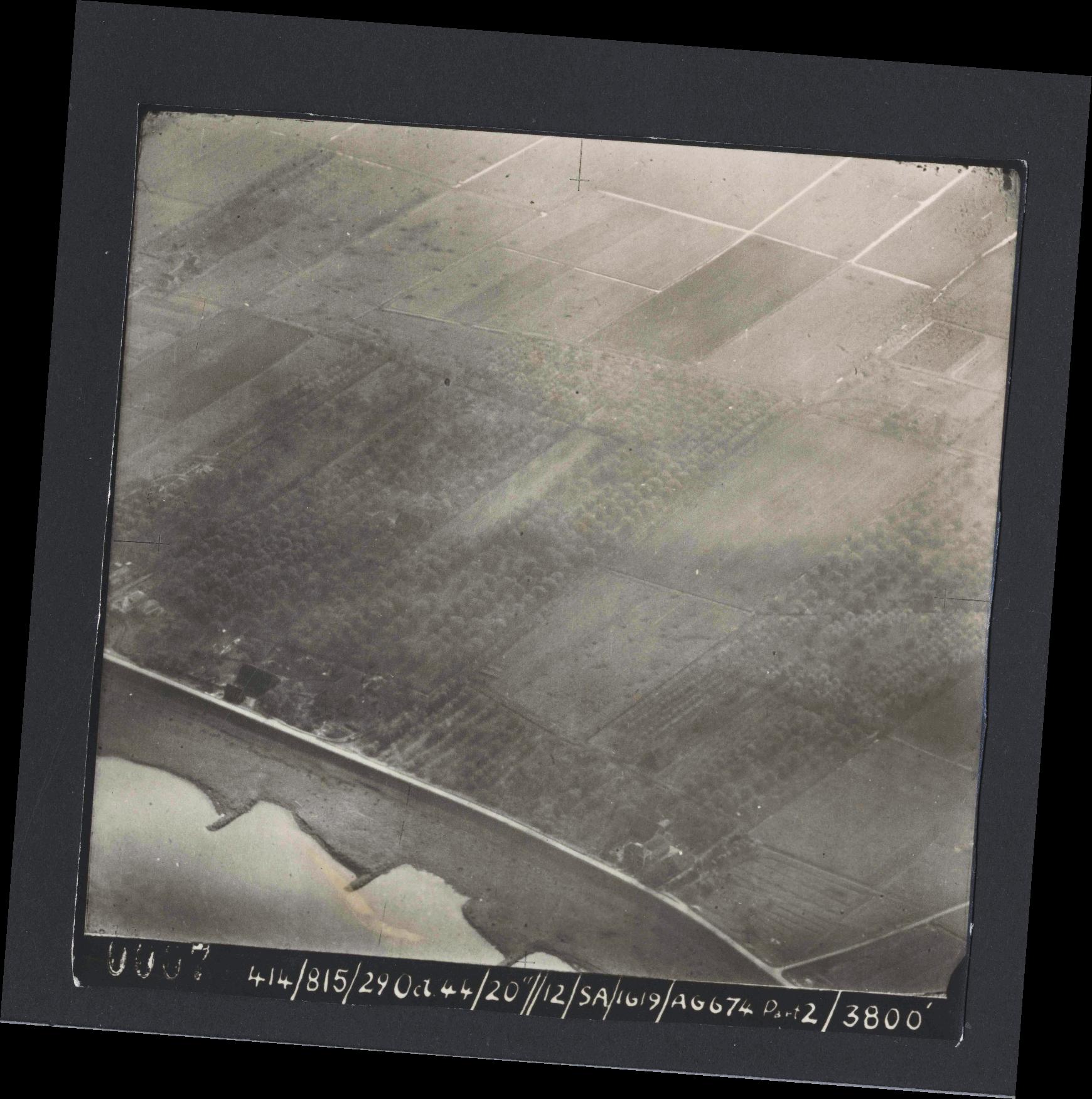 Collection RAF aerial photos 1940-1945 - flight 504, run 01, photo 0007