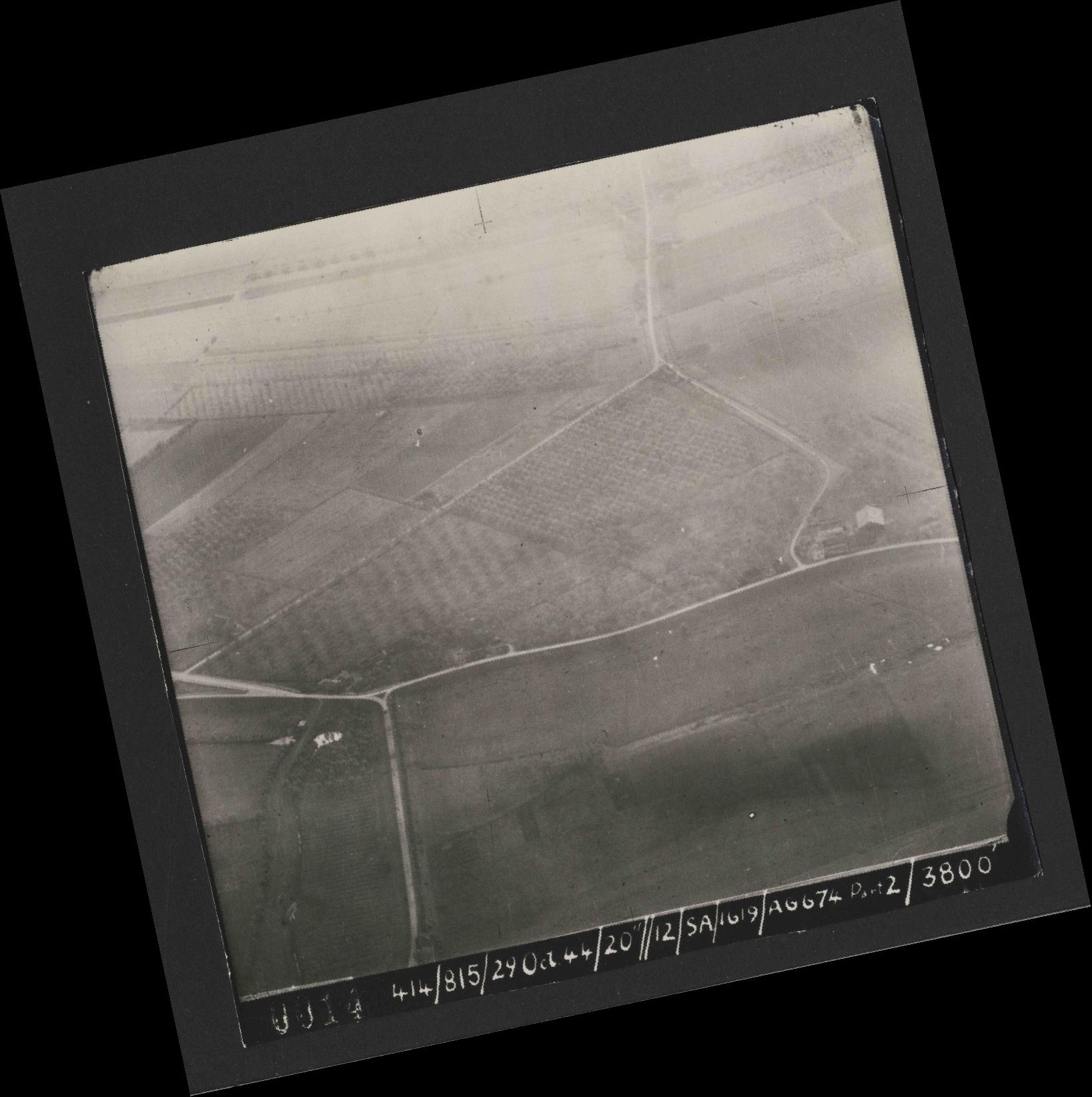 Collection RAF aerial photos 1940-1945 - flight 504, run 01, photo 0014