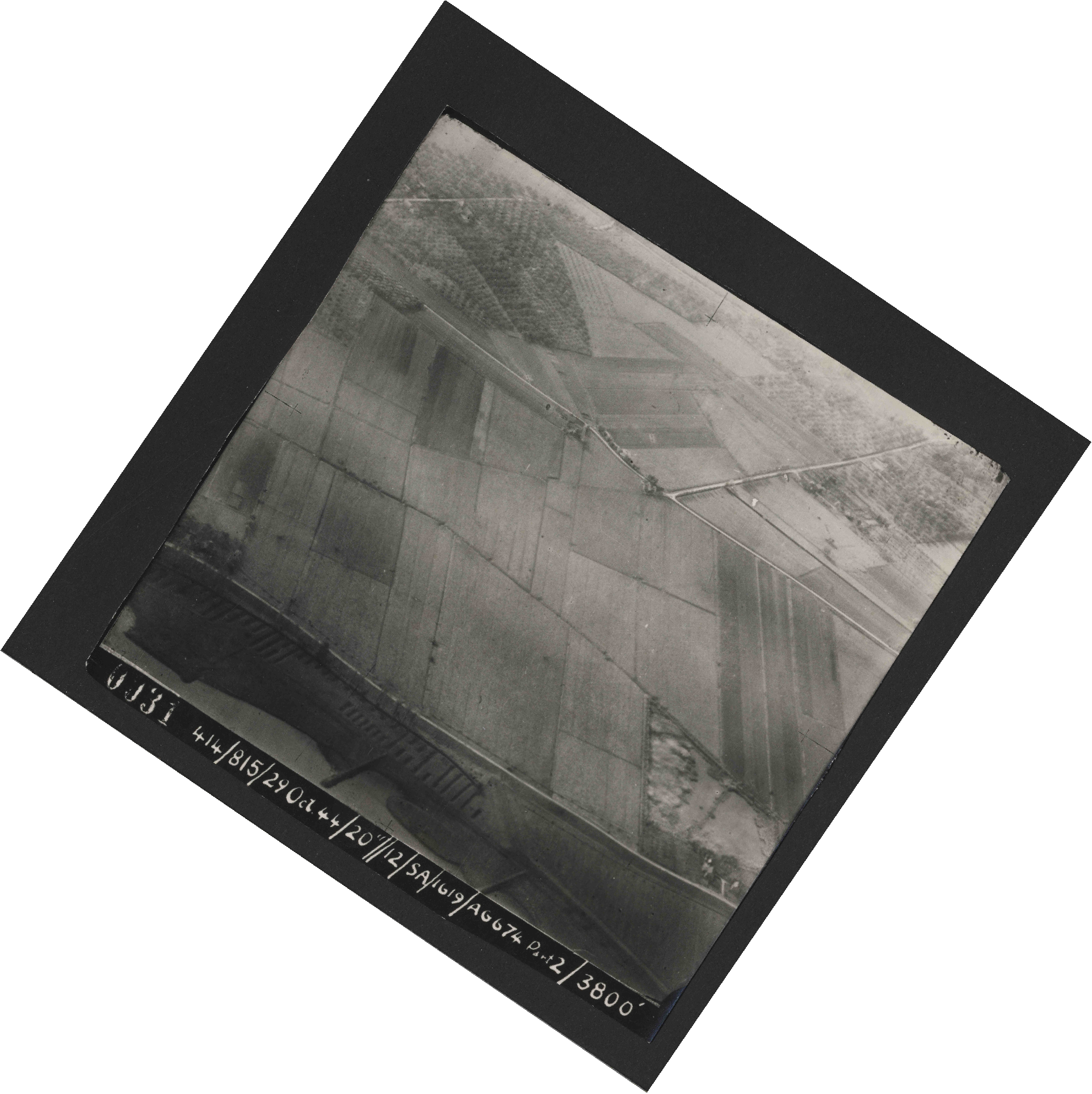 Collection RAF aerial photos 1940-1945 - flight 504, run 01, photo 0031