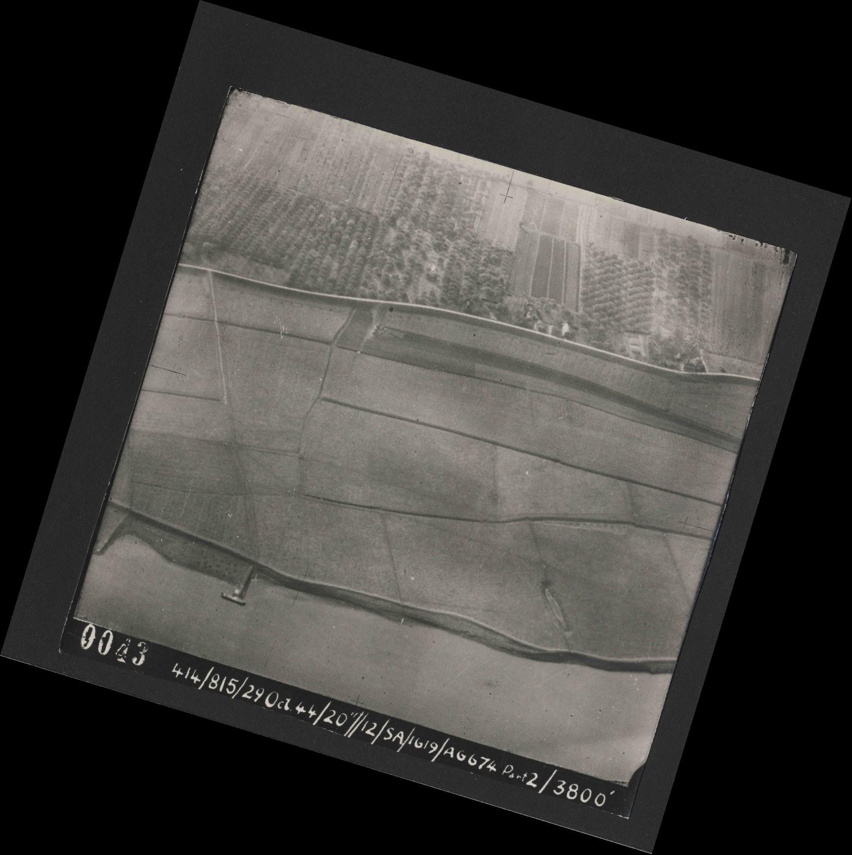 Collection RAF aerial photos 1940-1945 - flight 504, run 01, photo 0043