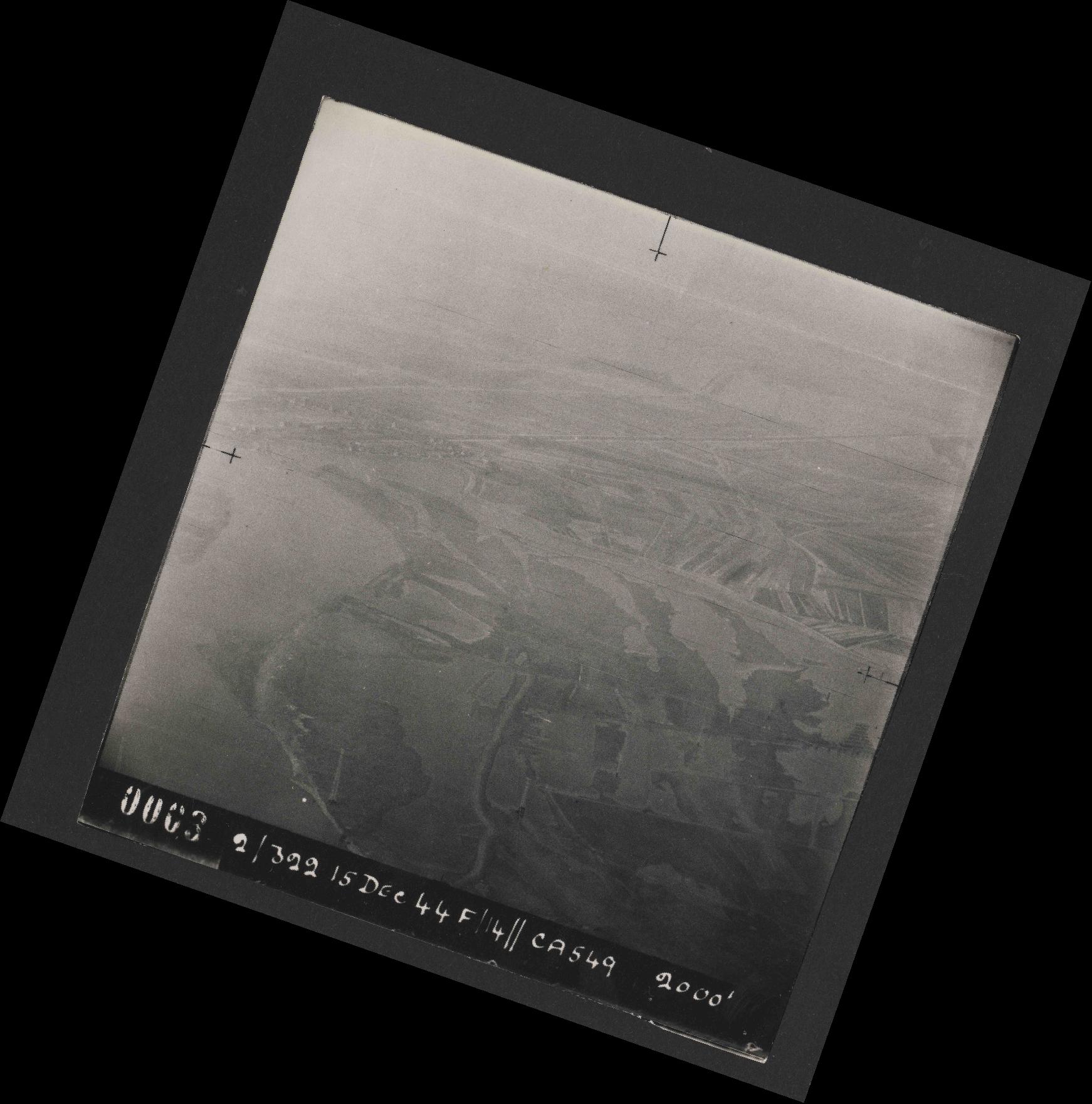 Collection RAF aerial photos 1940-1945 - flight 507, run 01, photo 0003