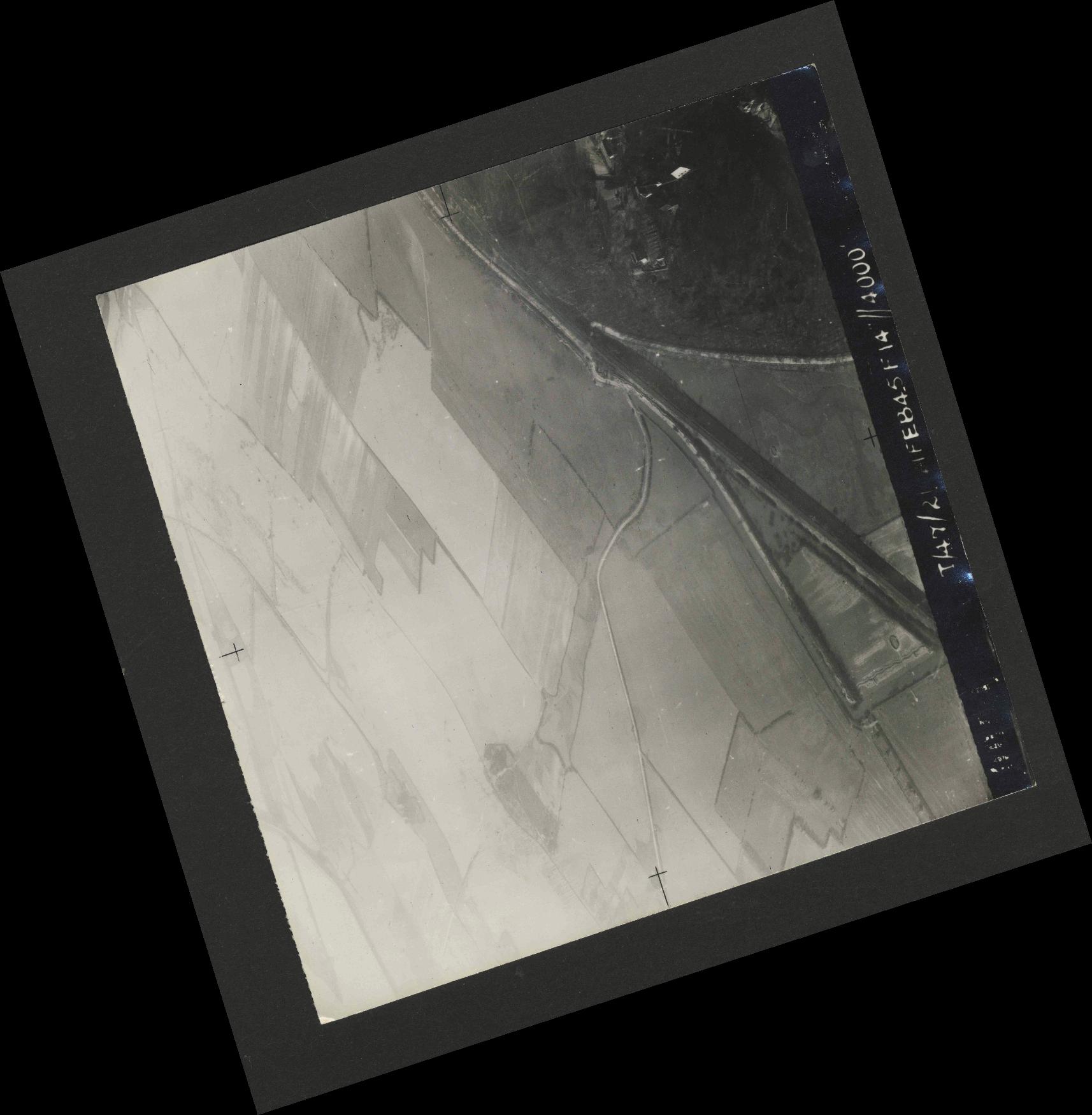 Collection RAF aerial photos 1940-1945 - flight 514, run 01, photo 0002