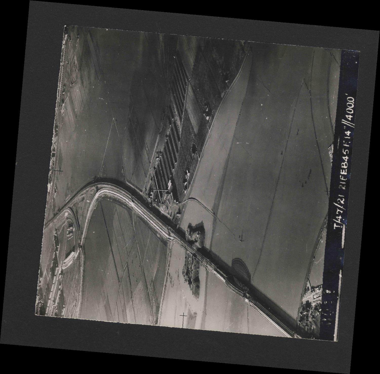 Collection RAF aerial photos 1940-1945 - flight 514, run 01, photo 0011