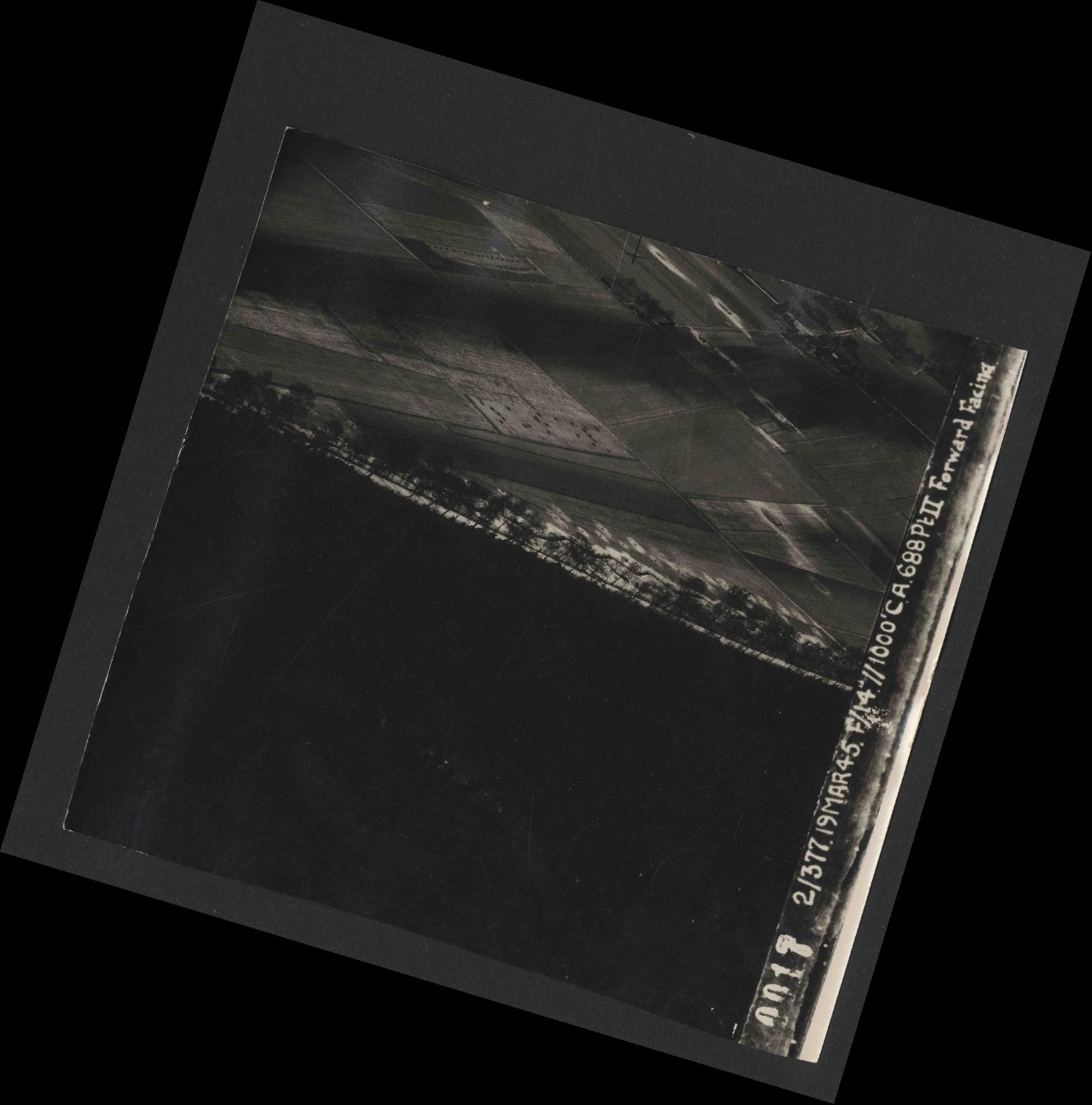 Collection RAF aerial photos 1940-1945 - flight 515, run 01, photo 0017