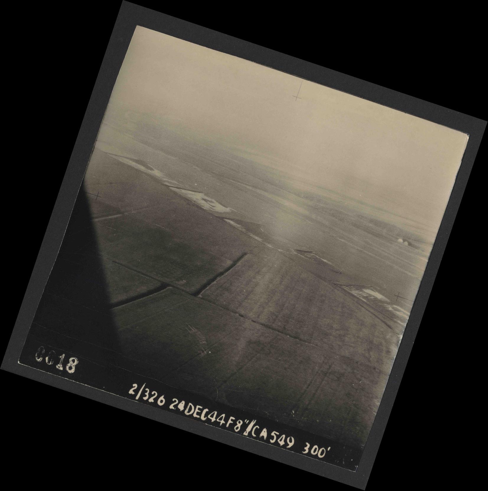 Collection RAF aerial photos 1940-1945 - flight 522, run 01, photo 0018