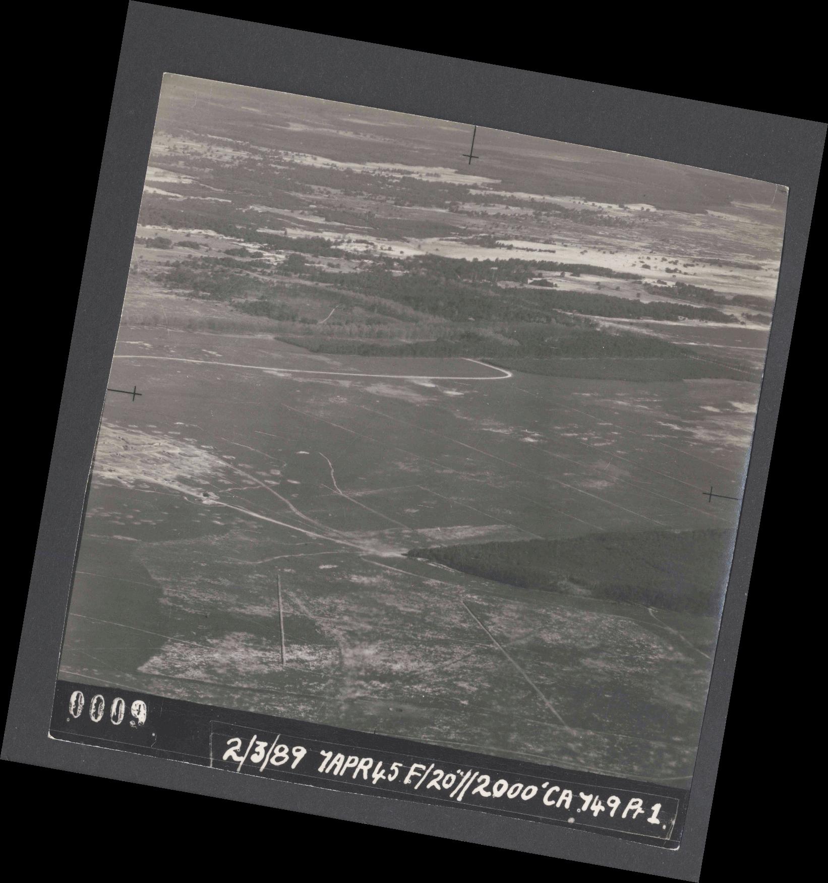 Collection RAF aerial photos 1940-1945 - flight 530, run 01, photo 0009