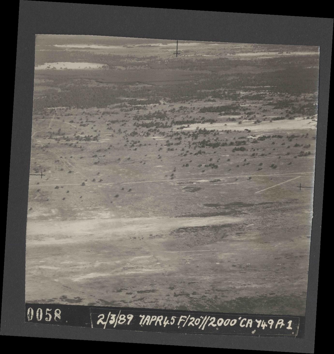 Collection RAF aerial photos 1940-1945 - flight 530, run 01, photo 0058