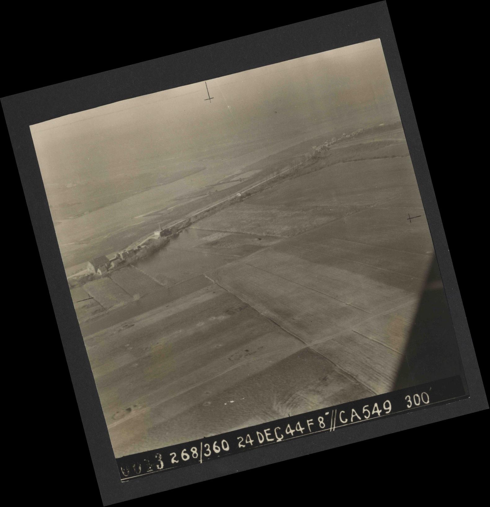 Collection RAF aerial photos 1940-1945 - flight 531, run 01, photo 0013