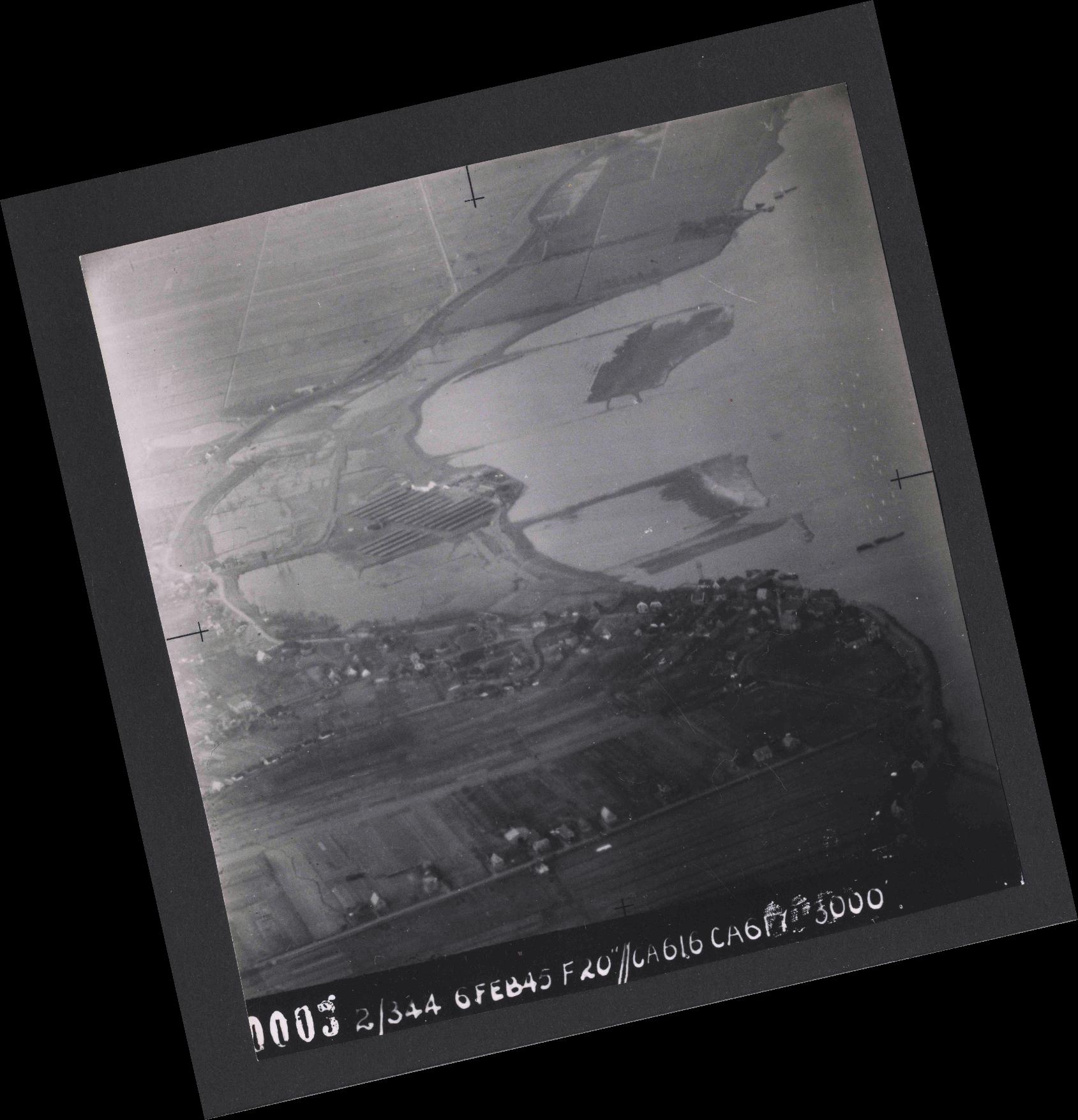 Collection RAF aerial photos 1940-1945 - flight 532, run 01, photo 0003