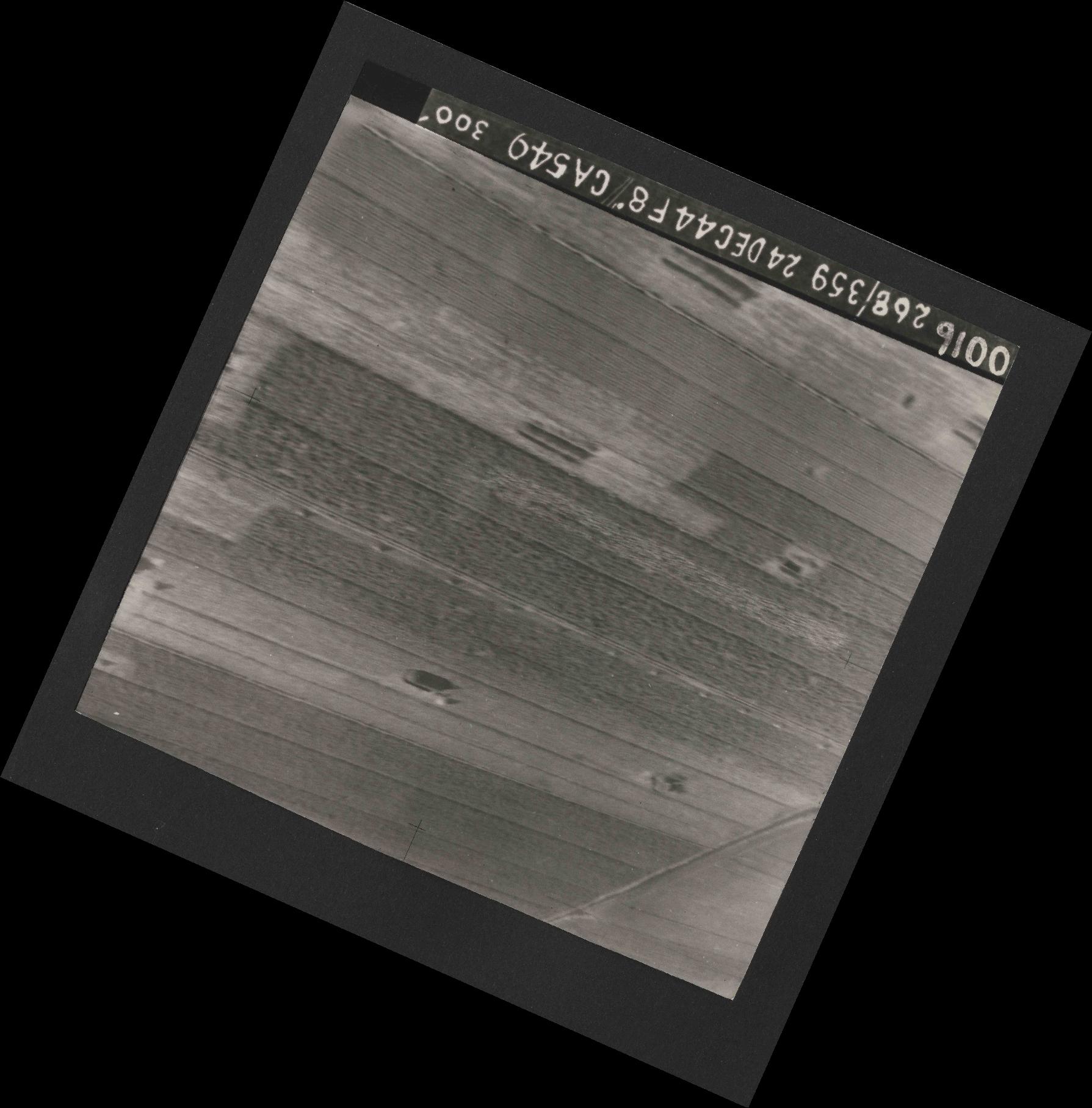 Collection RAF aerial photos 1940-1945 - flight 535, run 01, photo 0016