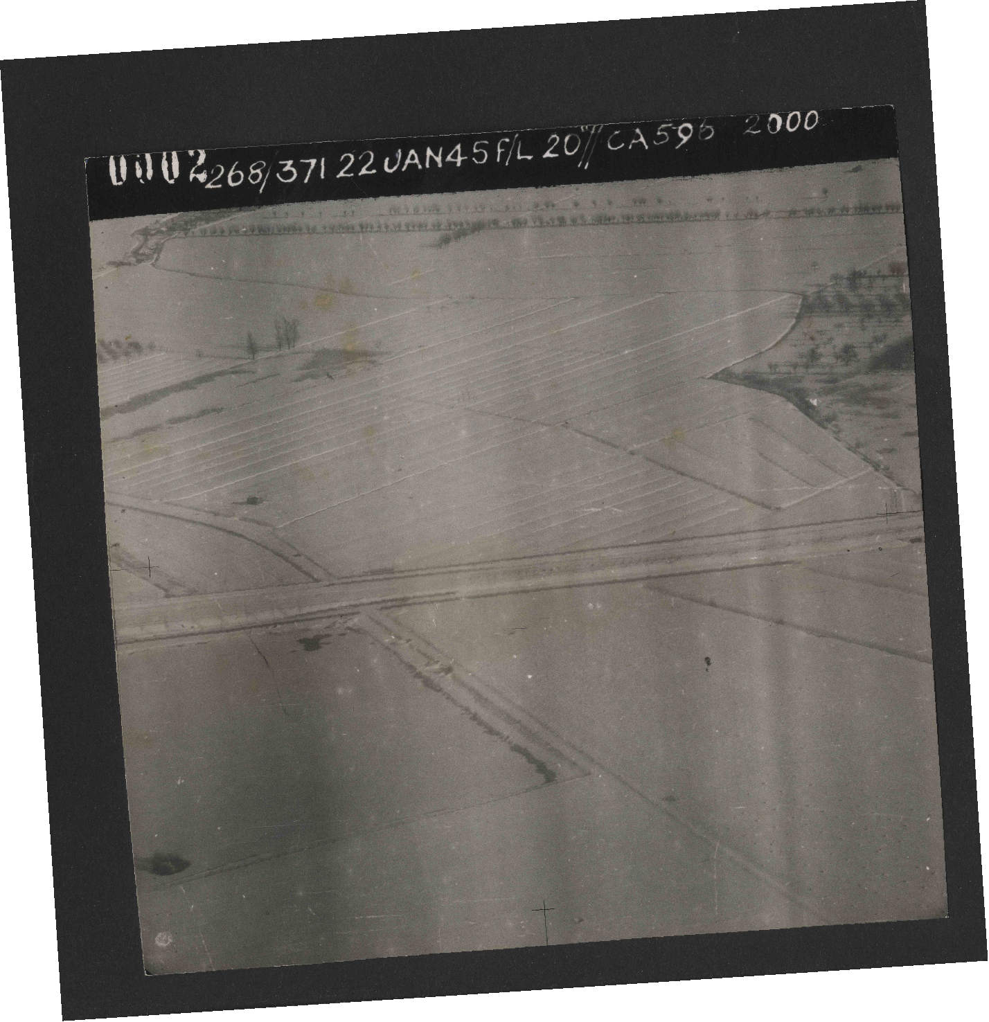Collection RAF aerial photos 1940-1945 - flight 540, run 01, photo 0002