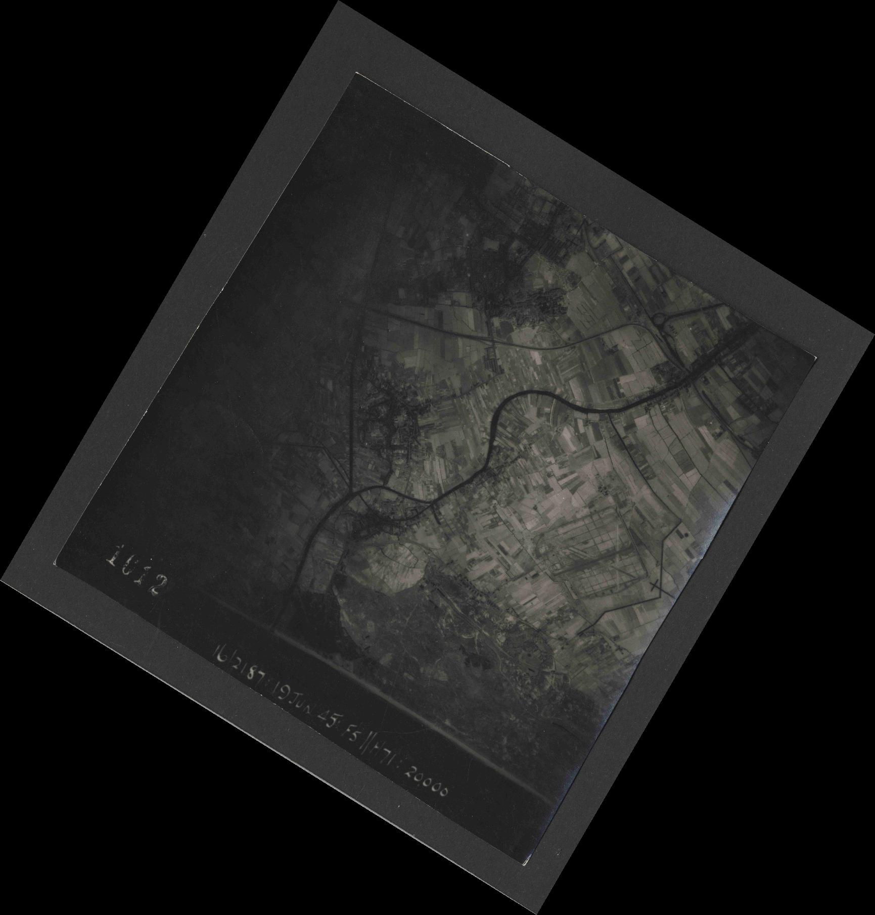 Collection RAF aerial photos 1940-1945 - flight 551, run 01, photo 1012