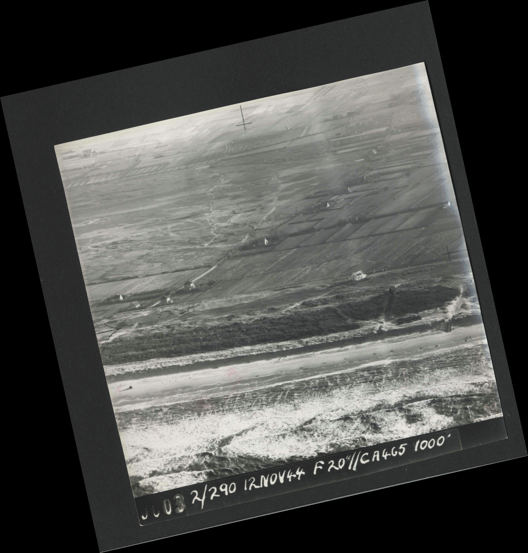 Collection RAF aerial photos 1940-1945 - flight 554, run 01, photo 0003