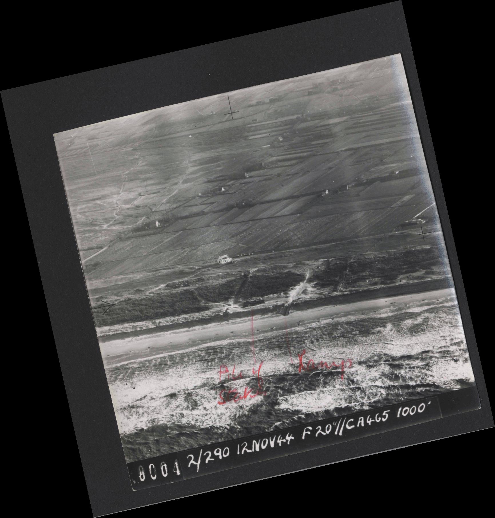 Collection RAF aerial photos 1940-1945 - flight 554, run 01, photo 0004
