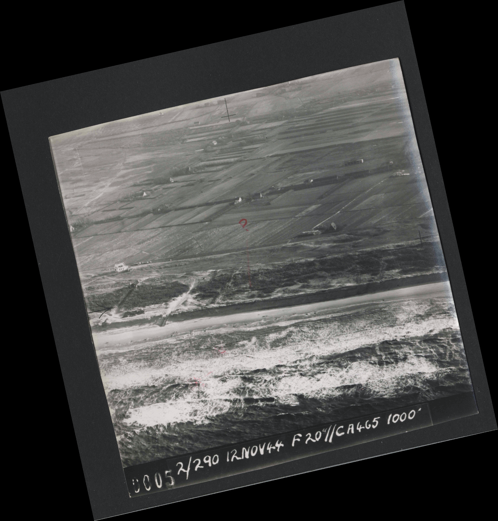 Collection RAF aerial photos 1940-1945 - flight 554, run 01, photo 0005