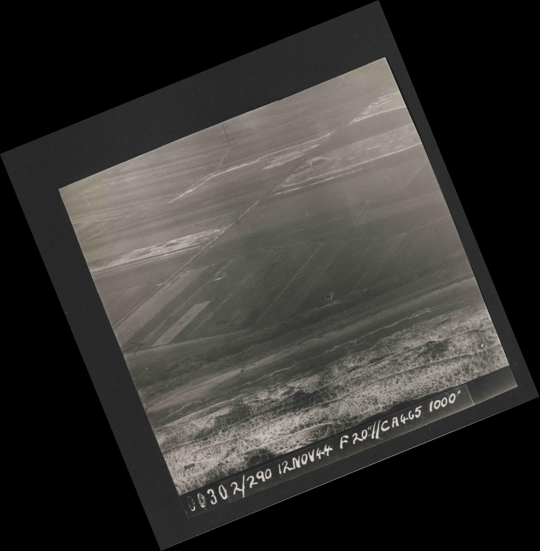 Collection RAF aerial photos 1940-1945 - flight 554, run 01, photo 0030