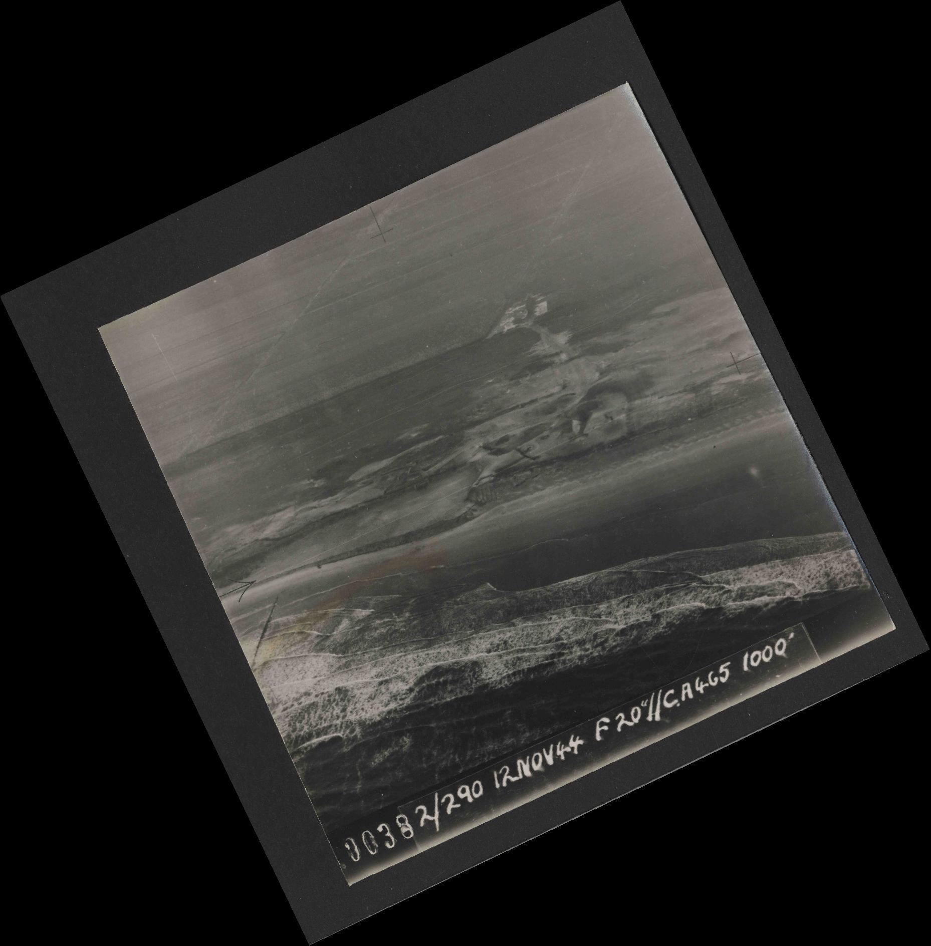Collection RAF aerial photos 1940-1945 - flight 554, run 01, photo 0038